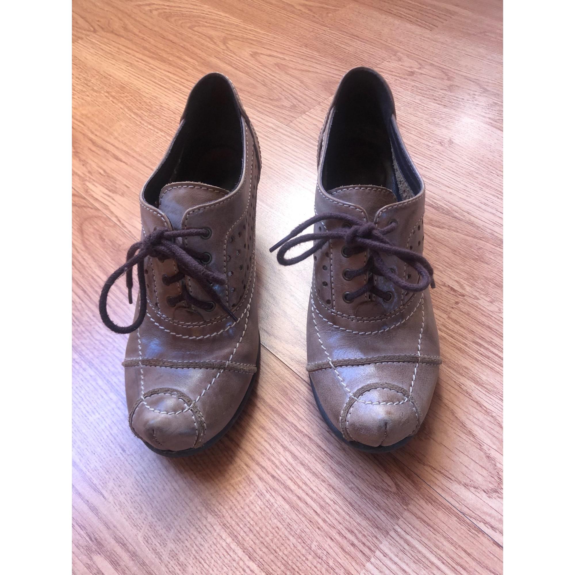 Chaussures à lacets  LIBERTO Beige, camel