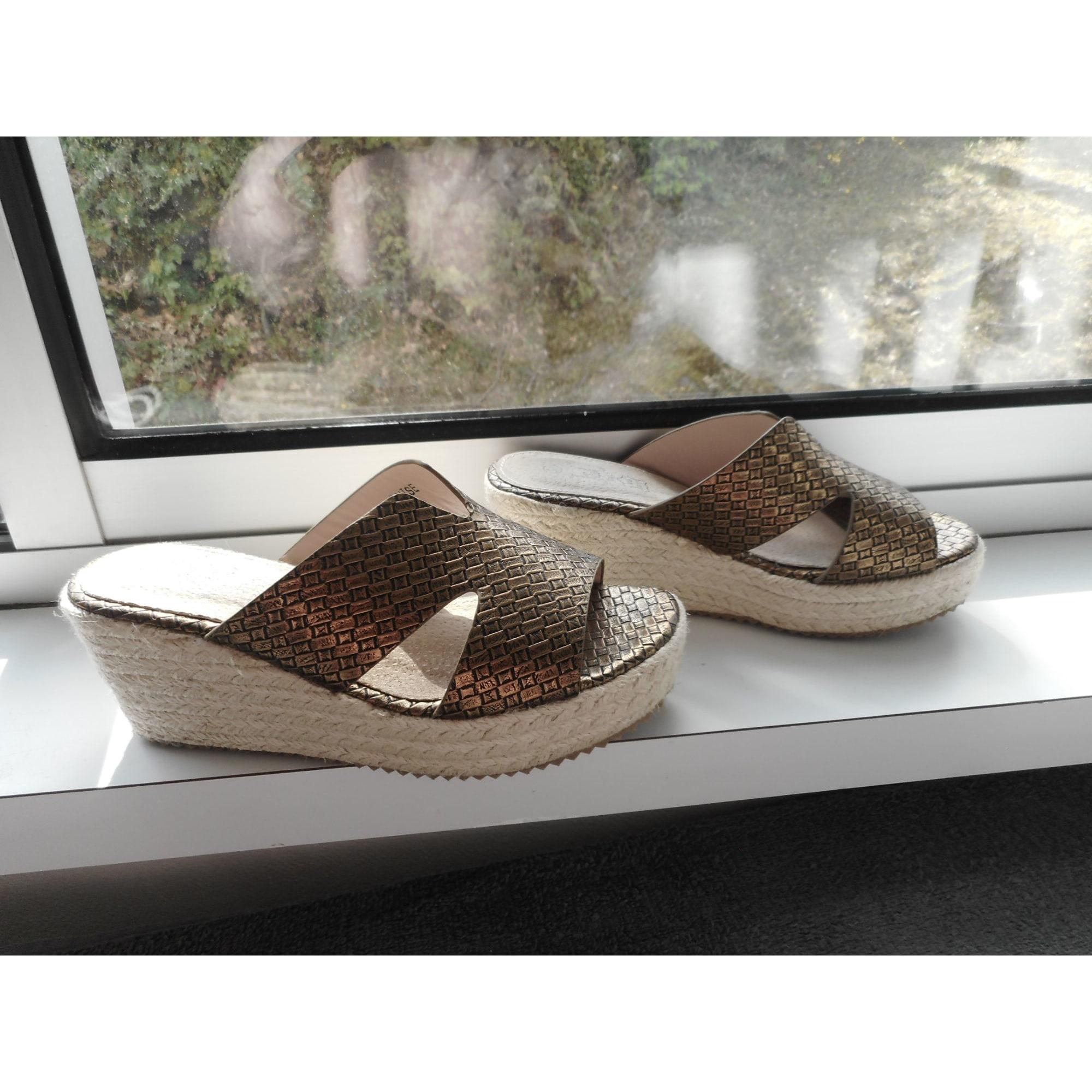 Sandales compensées JBC Doré, bronze, cuivre