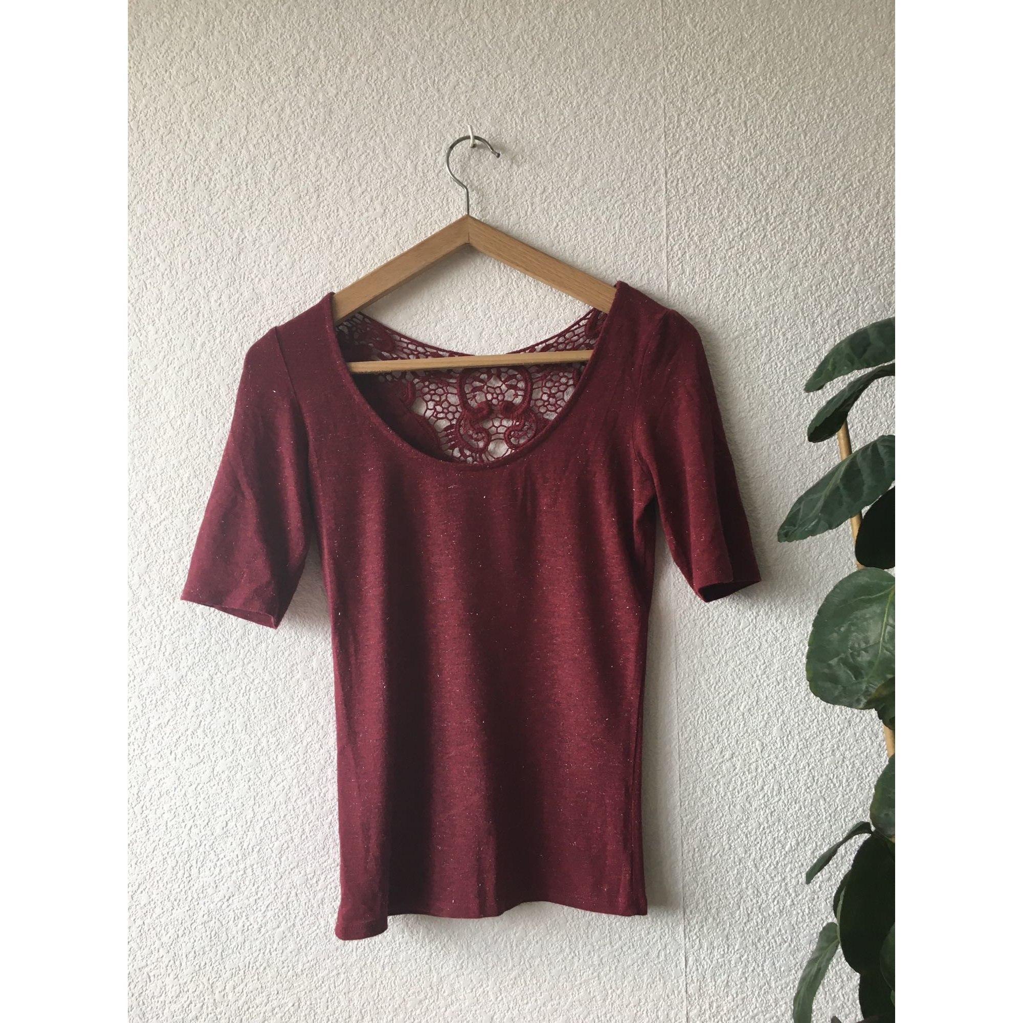Top, tee-shirt NAF NAF Rouge, bordeaux