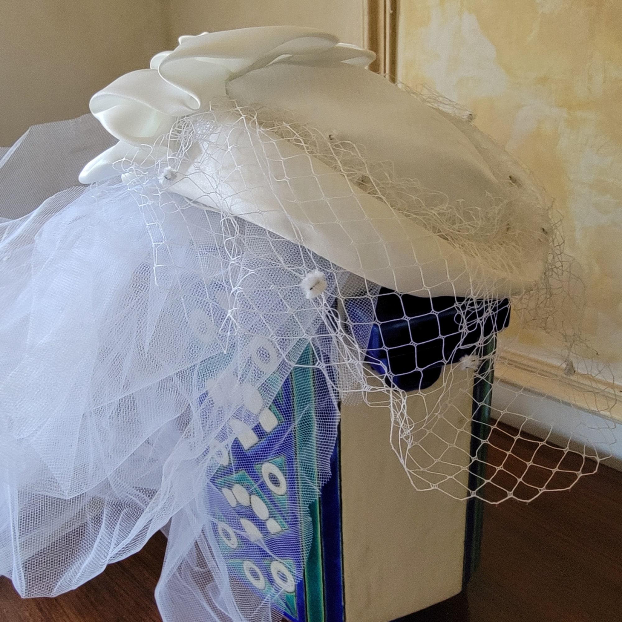 Chapeau de mariage AUCUNE Blanc, blanc cassé, écru