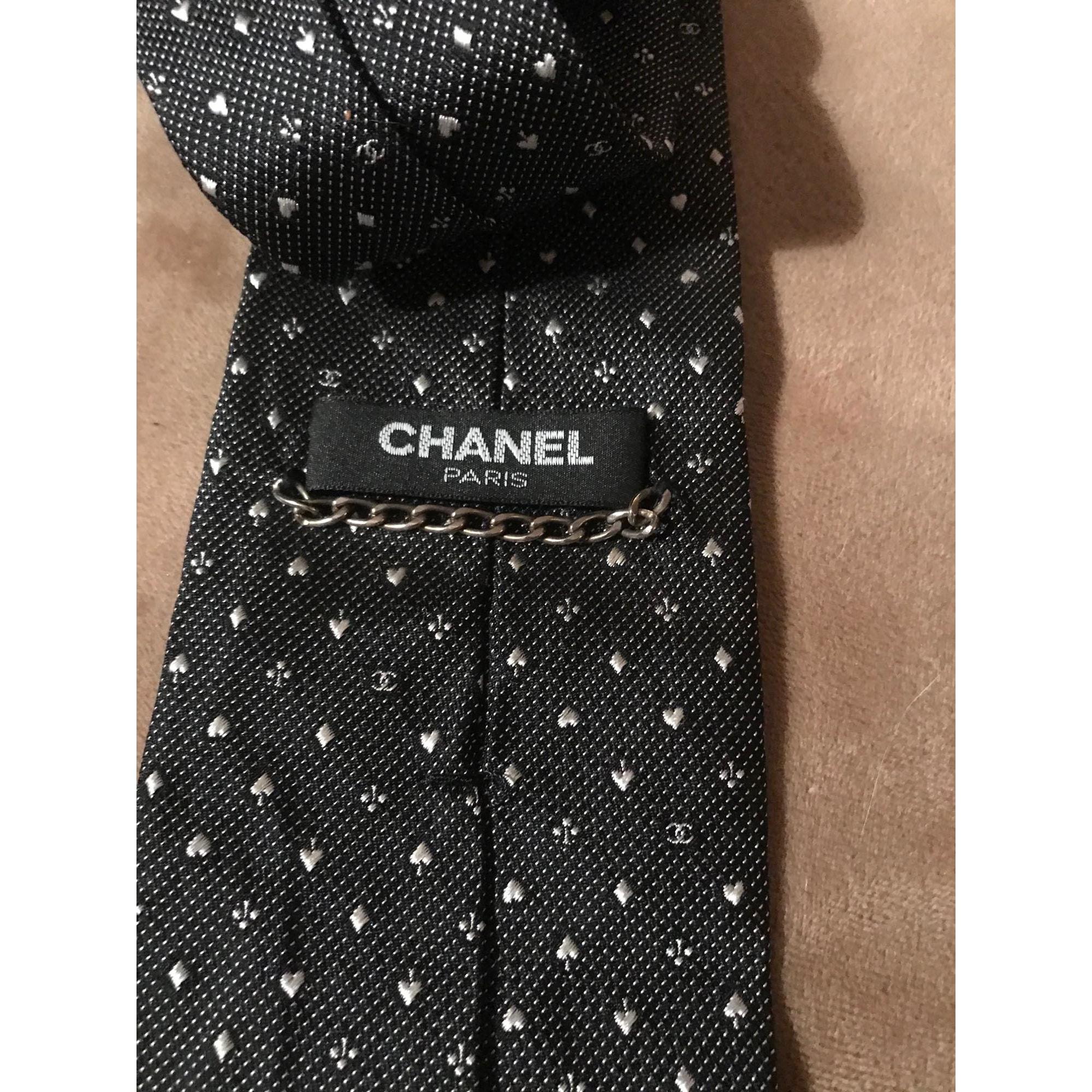 Cravate CHANEL Argenté, acier
