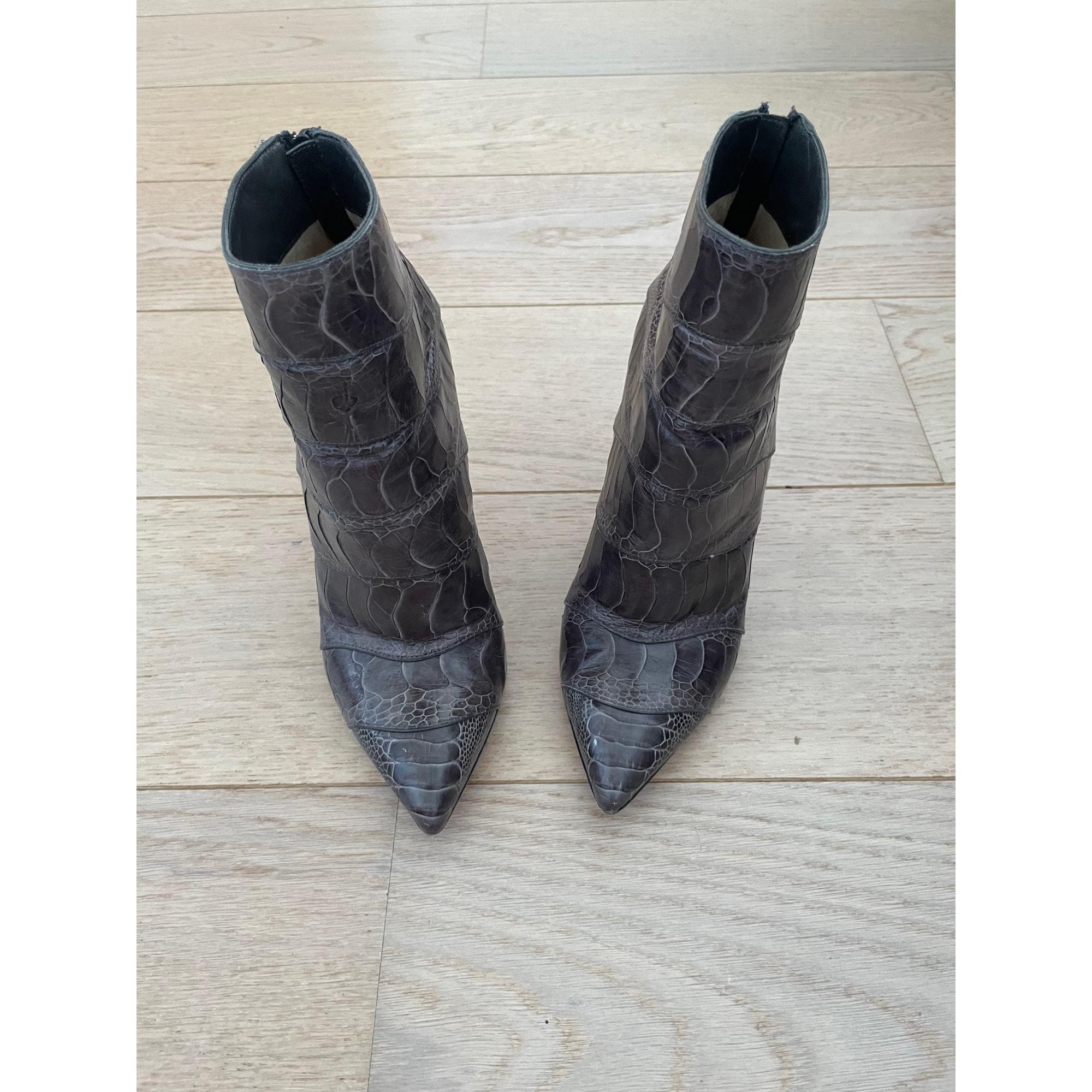 Bottines & low boots à talons CHRISTIAN LOUBOUTIN Gris, anthracite