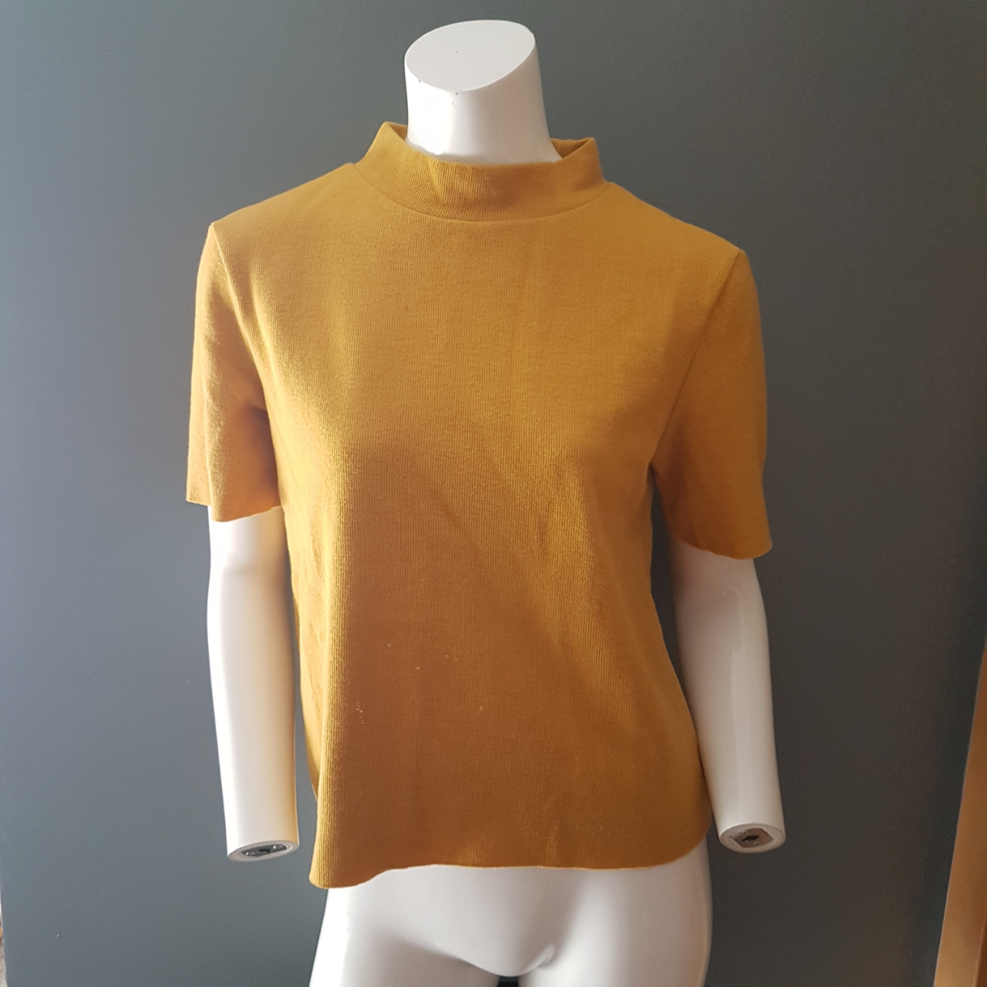 Top, tee-shirt ZARA Jaune