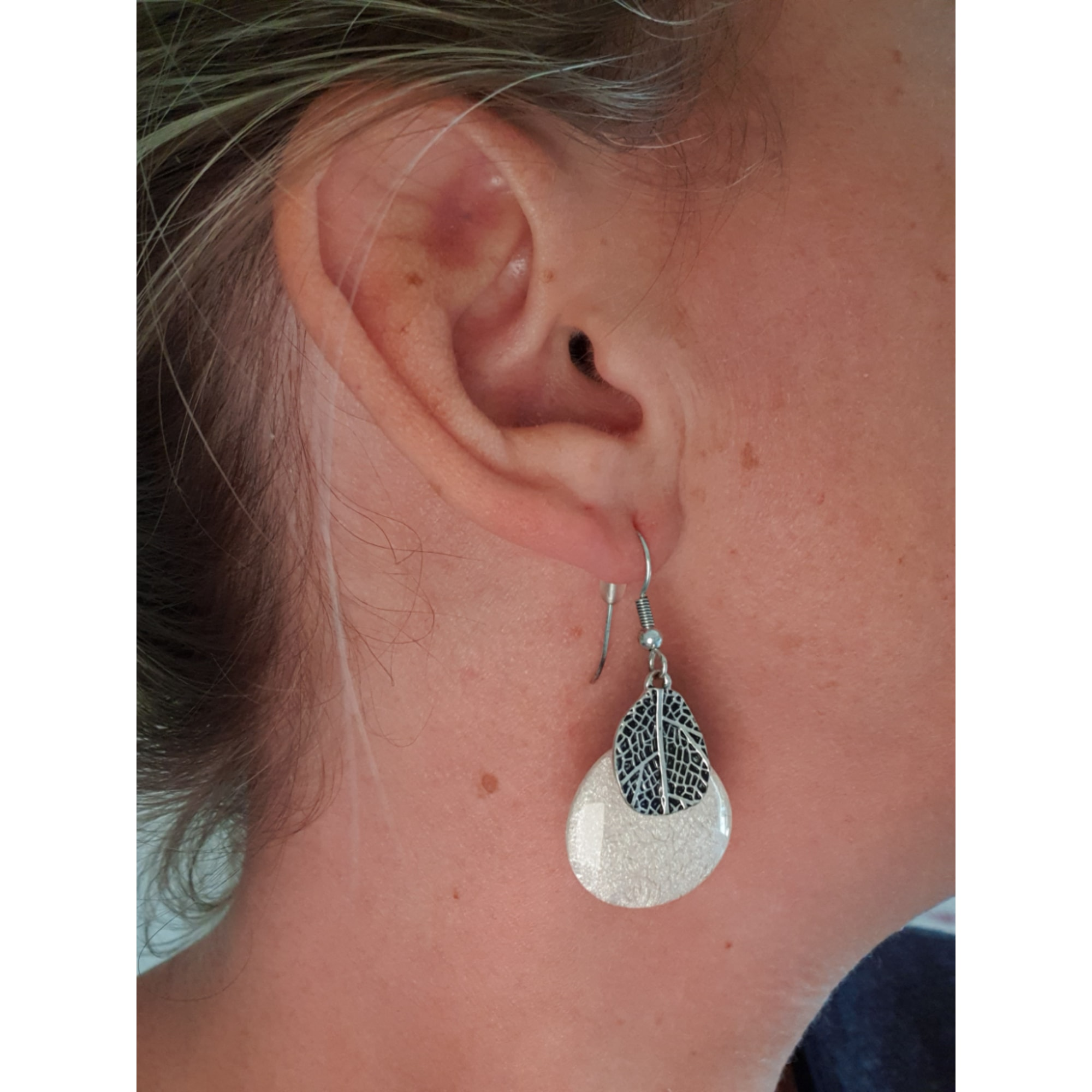 Boucles d'oreille LA MAISON DE SOPHIE Blanc, blanc cassé, écru