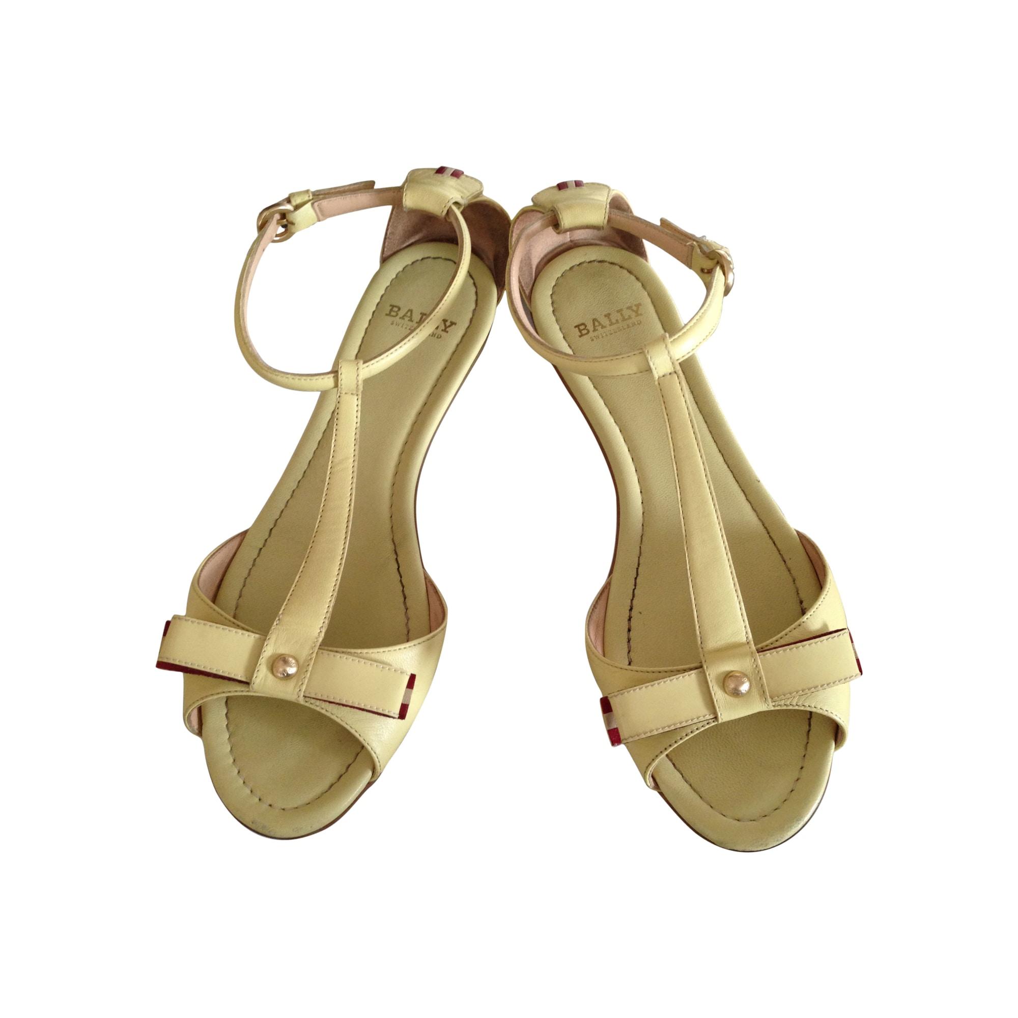 Sandales plates  BALLY Jaune