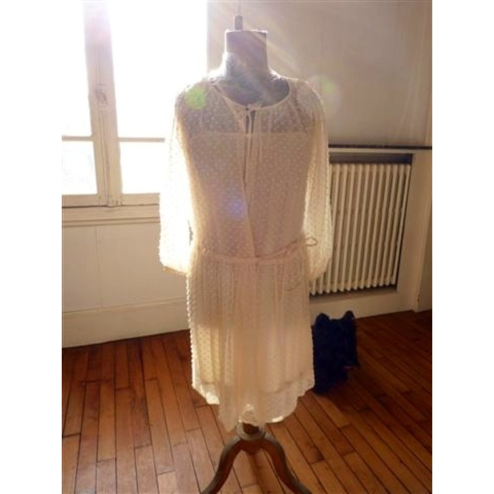 Robe Courte Athe Vanessa Bruno 36 S T1 Blanc Vendu Par D Ann Vu Par Carl80117 2429763