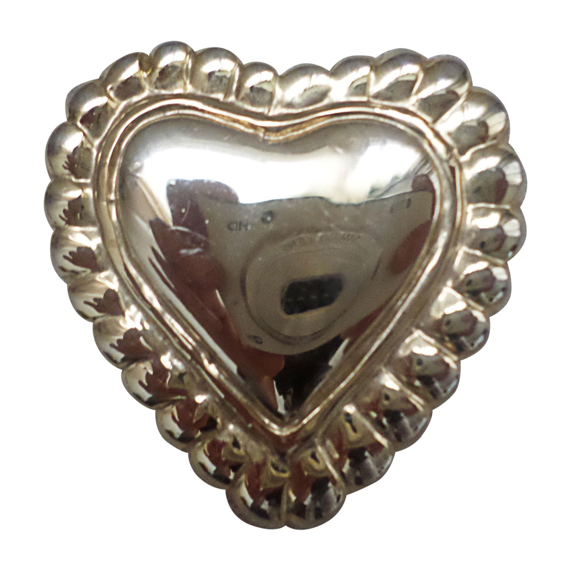 Broche ESCADA Doré, bronze, cuivre