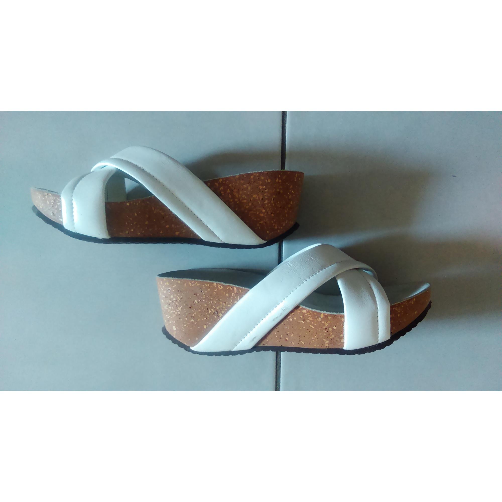 Sandales compensées BATA Blanc, blanc cassé, écru