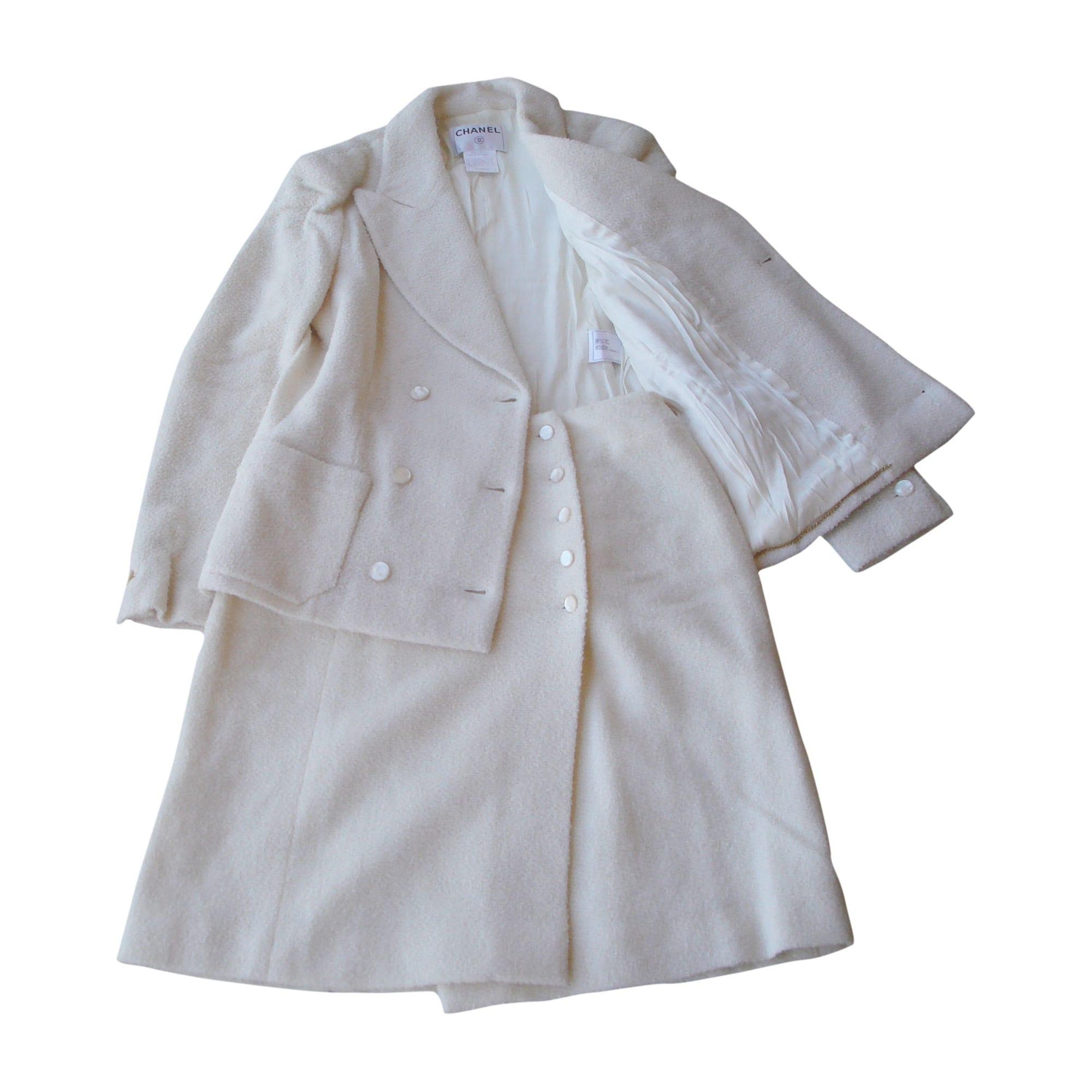 Tailleur jupe CHANEL Blanc, blanc cassé, écru