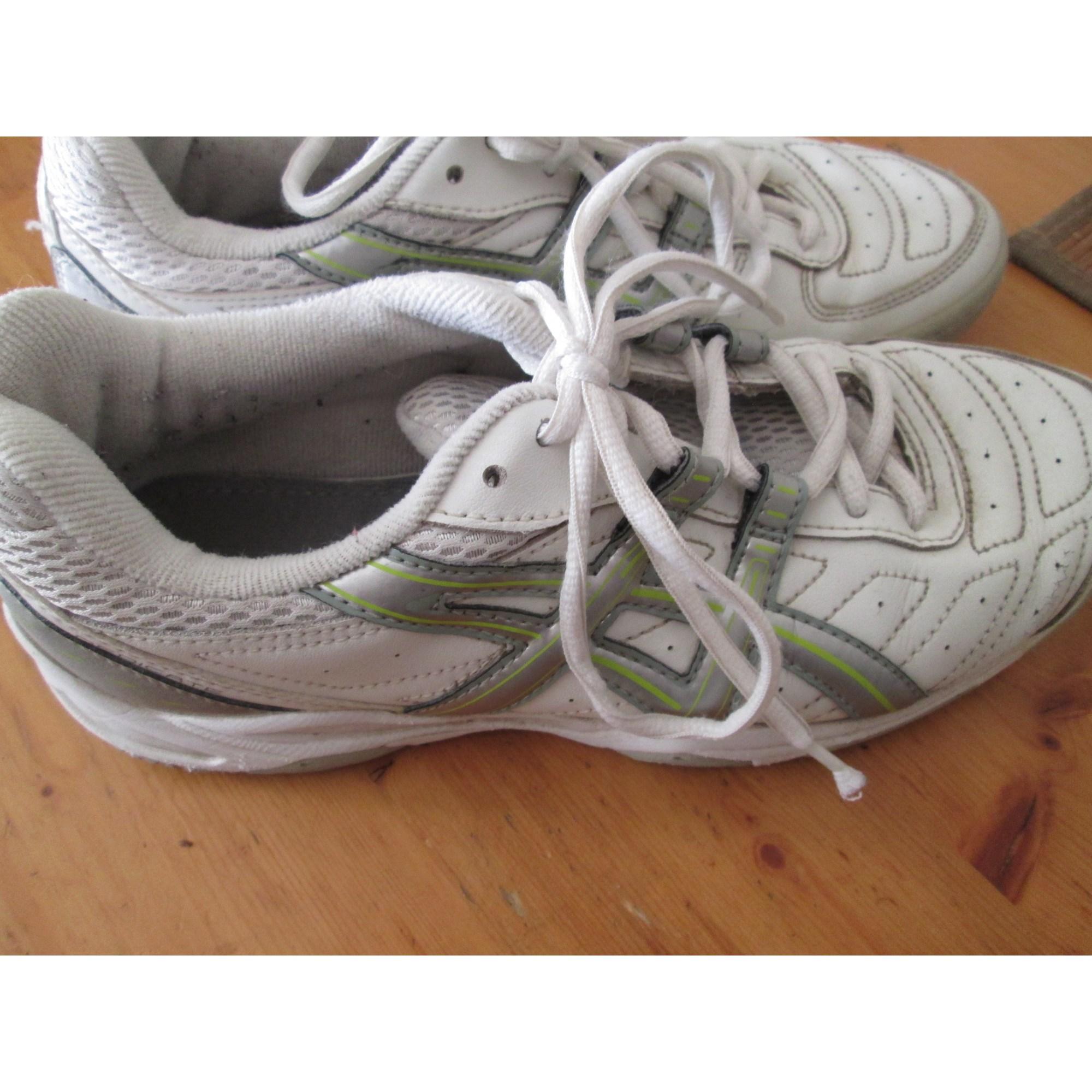 Chaussures de sport ASICS Blanc, blanc cassé, écru