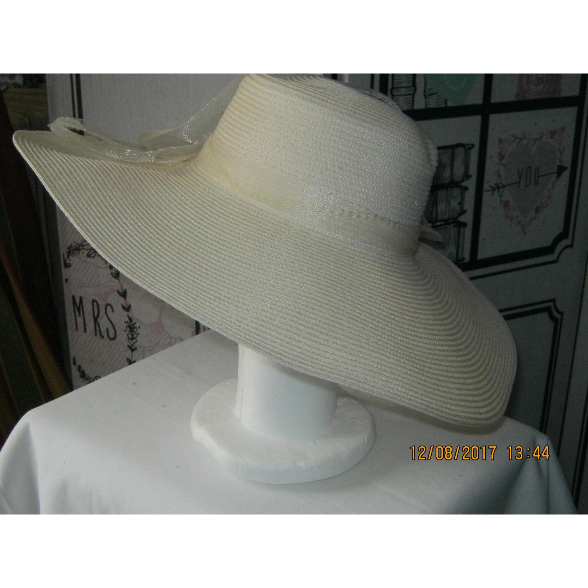 Chapeau INCONNU Blanc, blanc cassé, écru