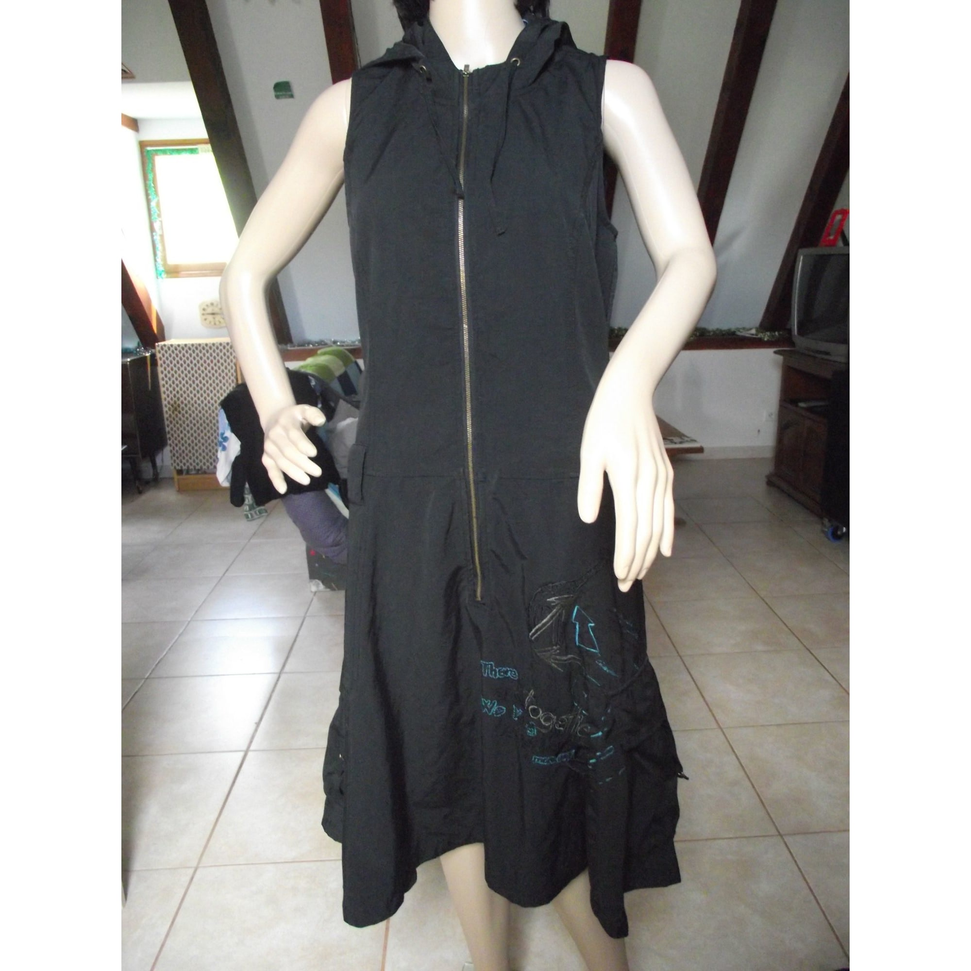 Robe mi-longue DESIGUAL Noir