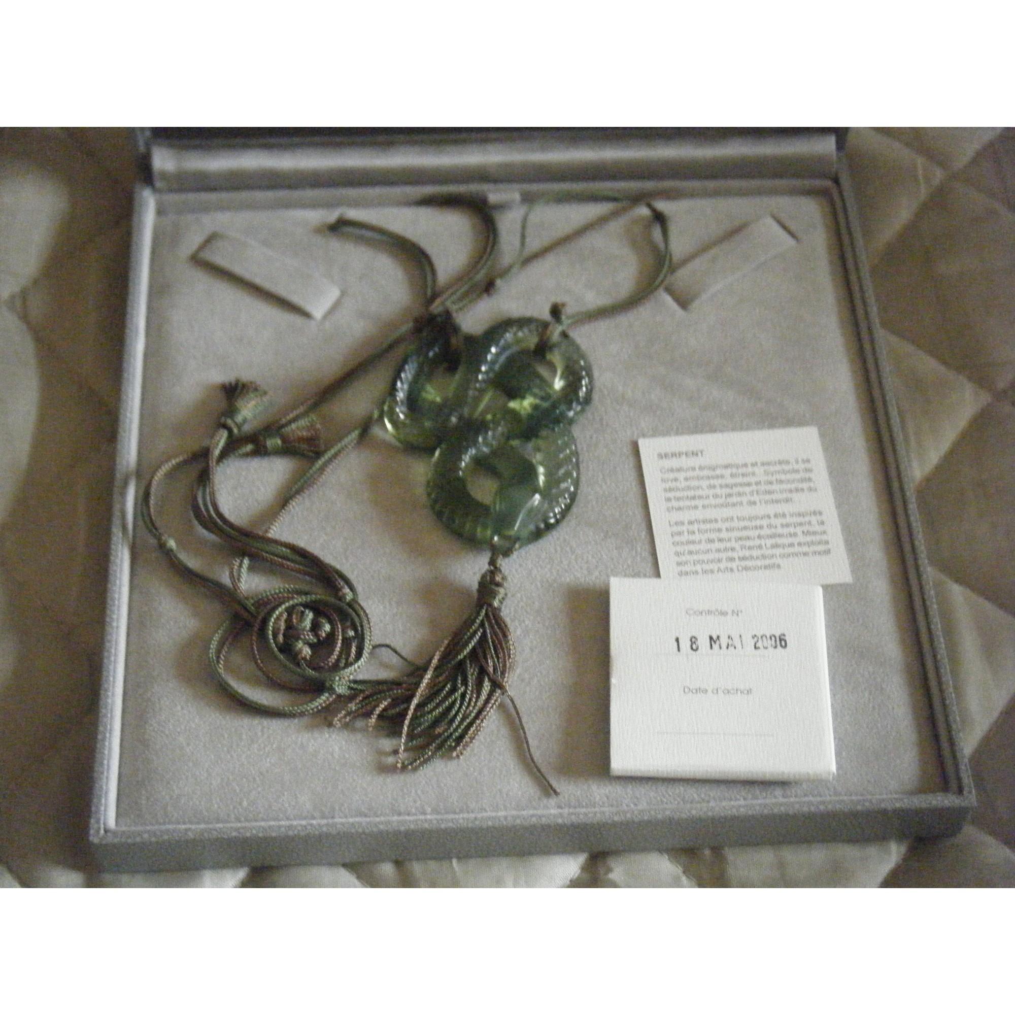 Pendentif, collier pendentif LALIQUE Multicouleur