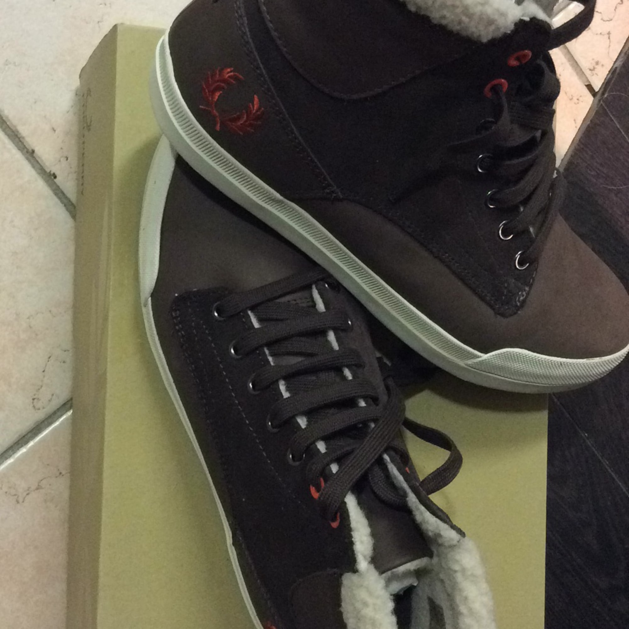 Baskets FRED PERRY Marron