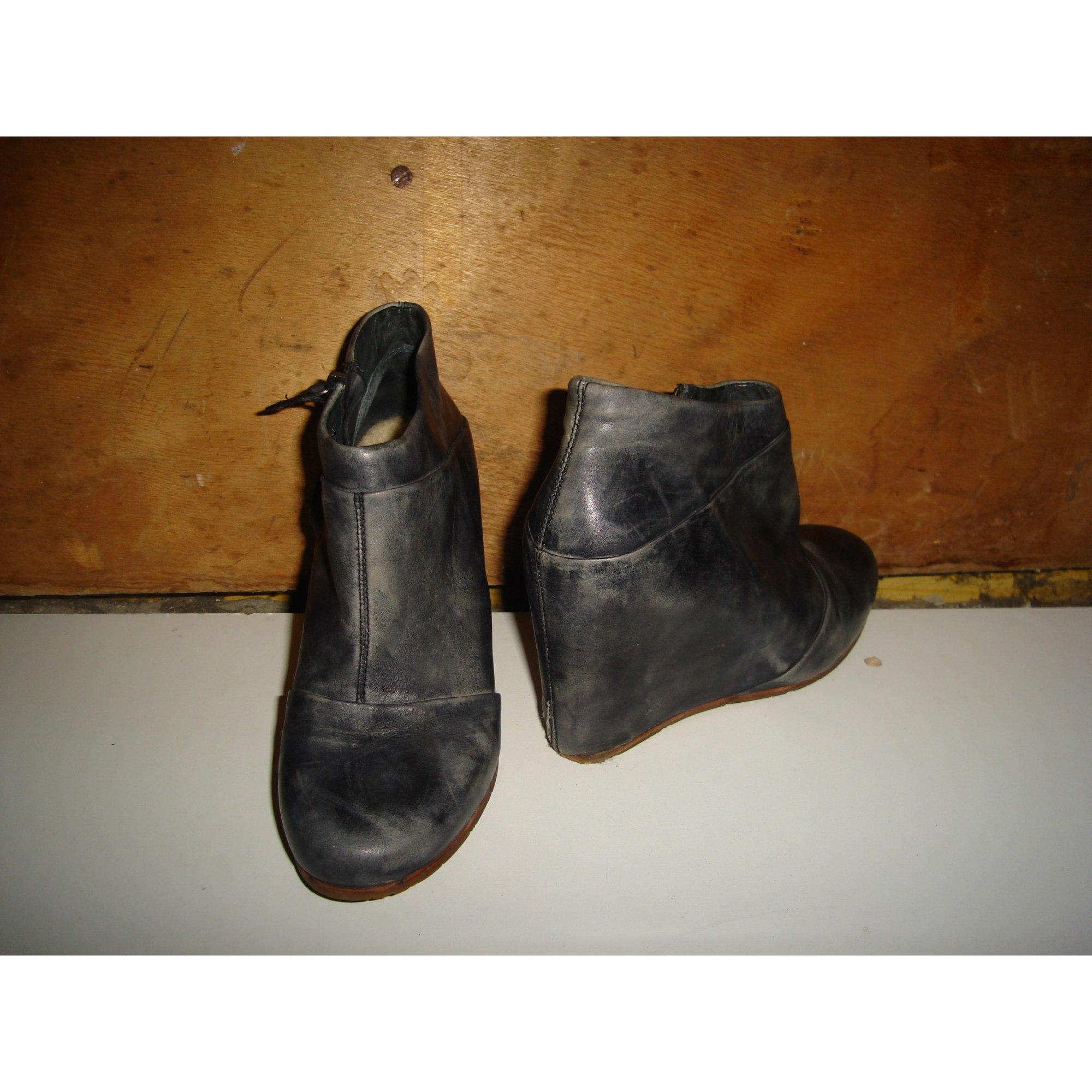 Bottines & low boots à compensés UGG Bleu, bleu marine, bleu turquoise