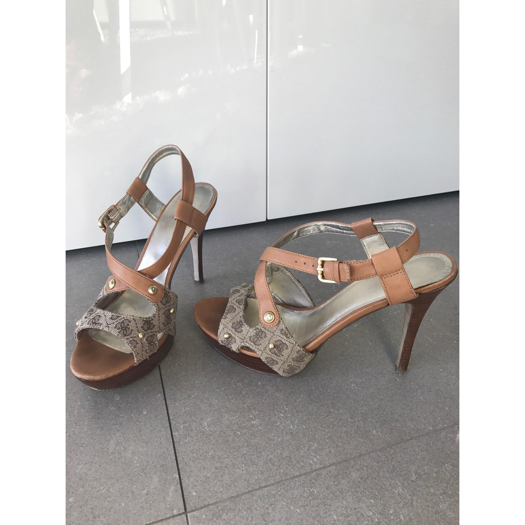 Sandales à talons GUESS Beige, camel