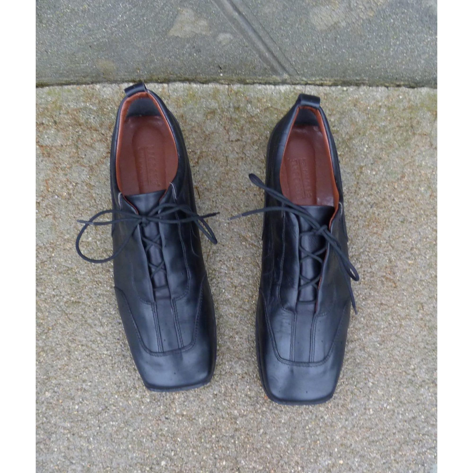 Chaussures à lacets LACOSTE Noir
