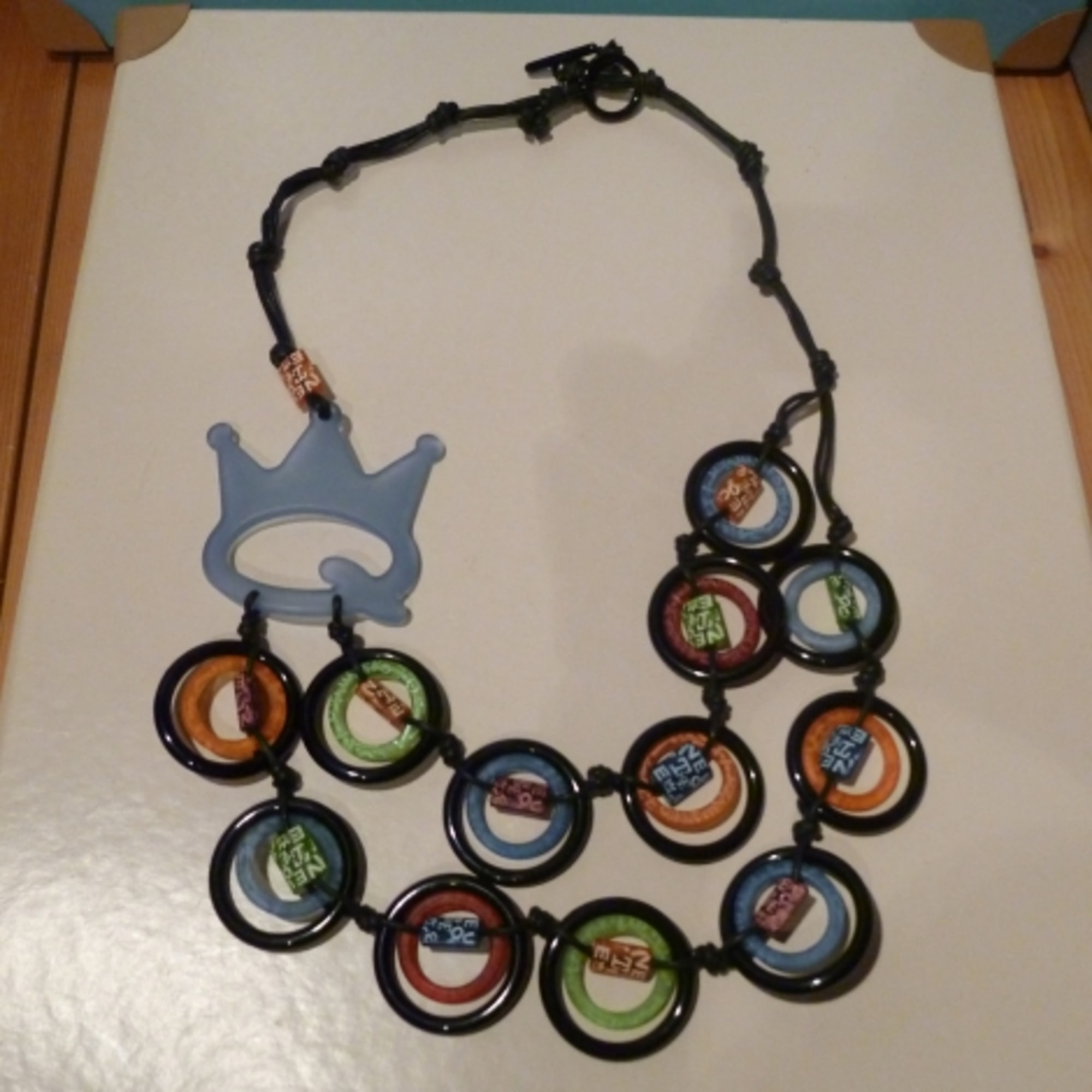 Collier SAVE THE QUEEN Multicouleur