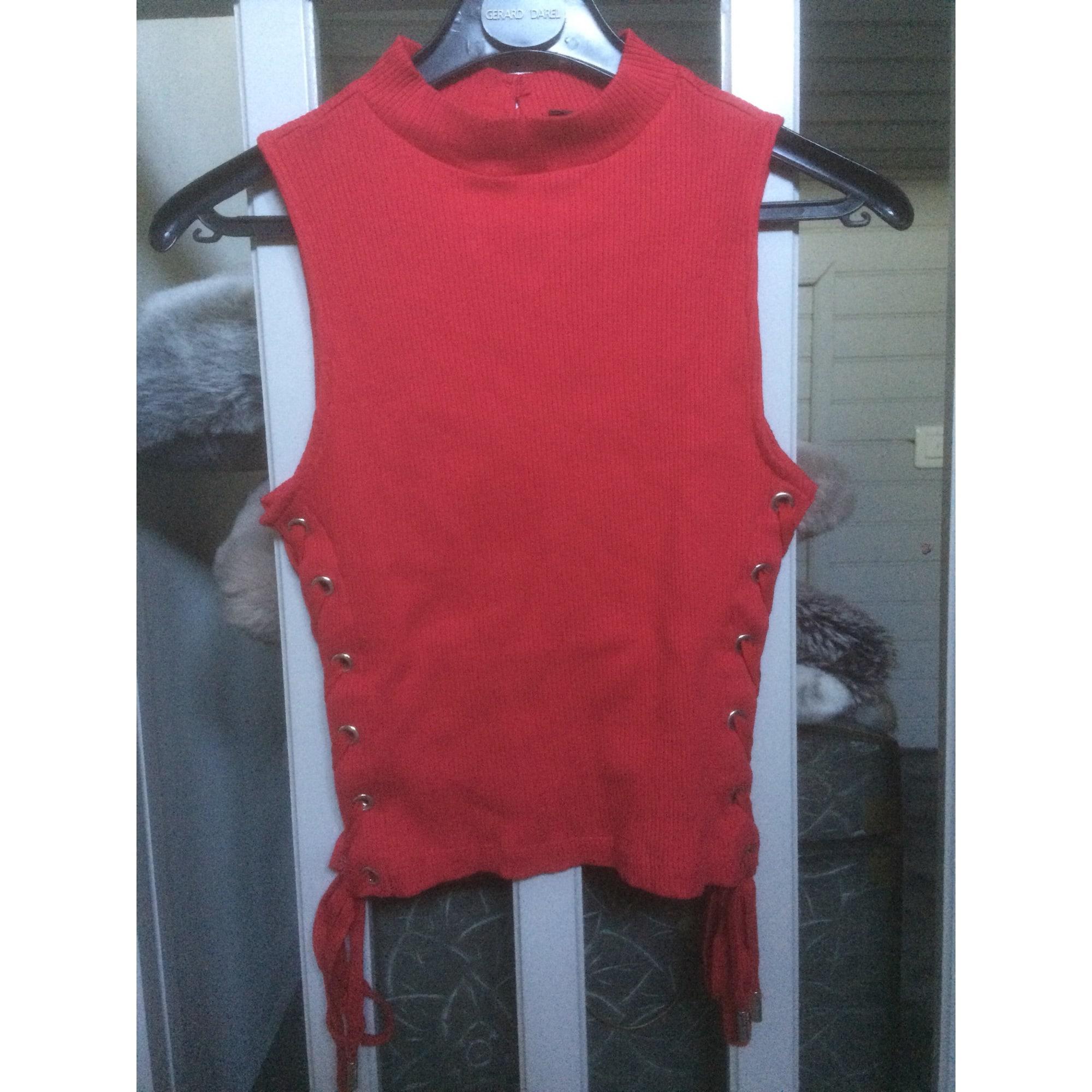 Top, tee-shirt GUESS Rouge, bordeaux