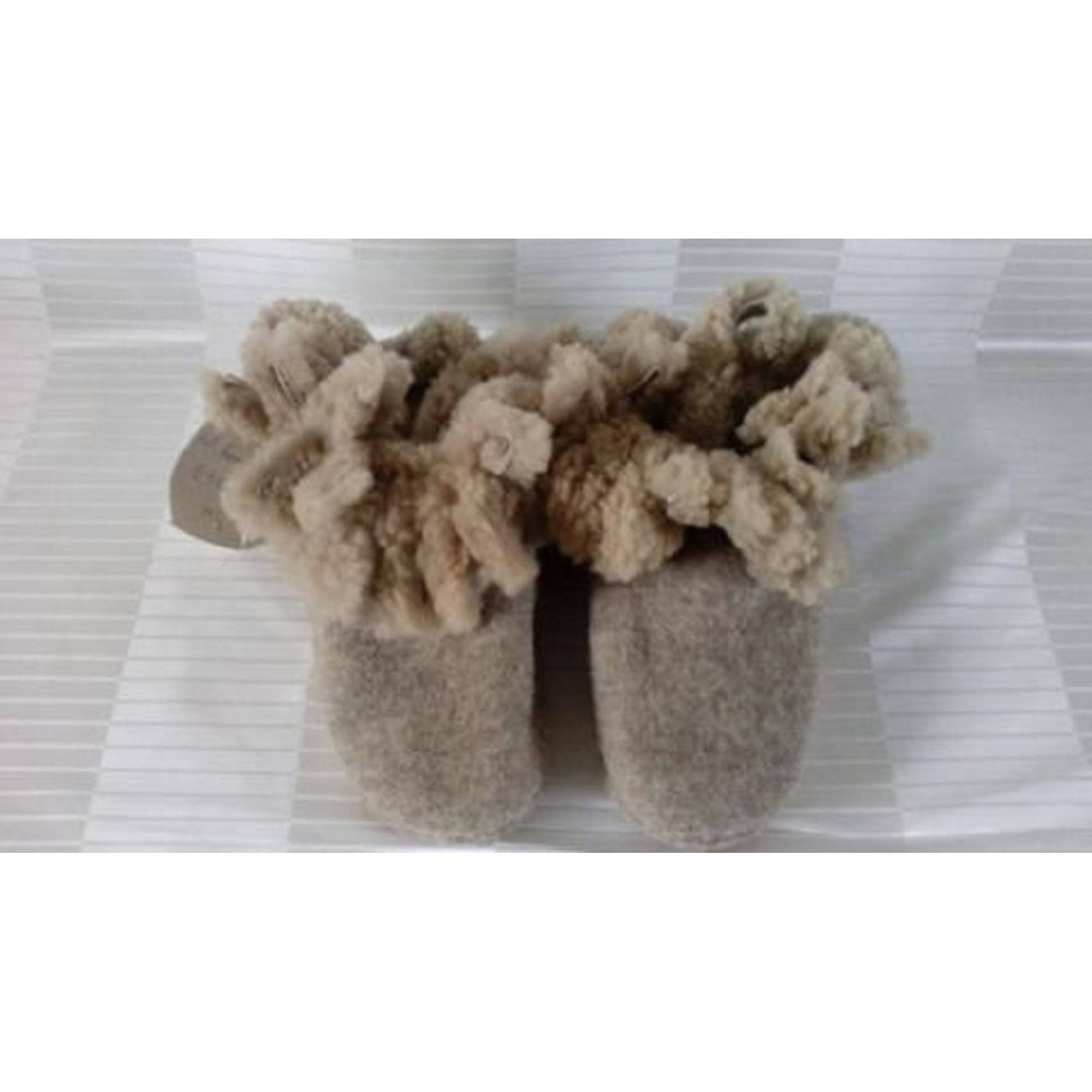 Chaussons & pantoufles LARA MAGNOLFI Gris, anthracite