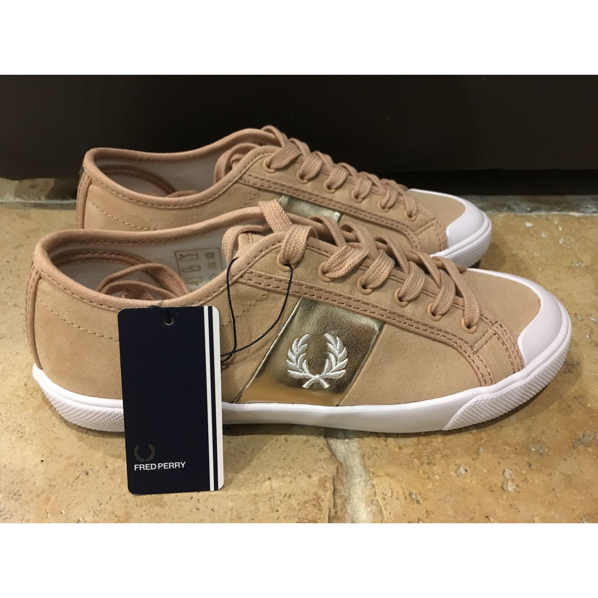 Chaussures de sport FRED PERRY saumon clair