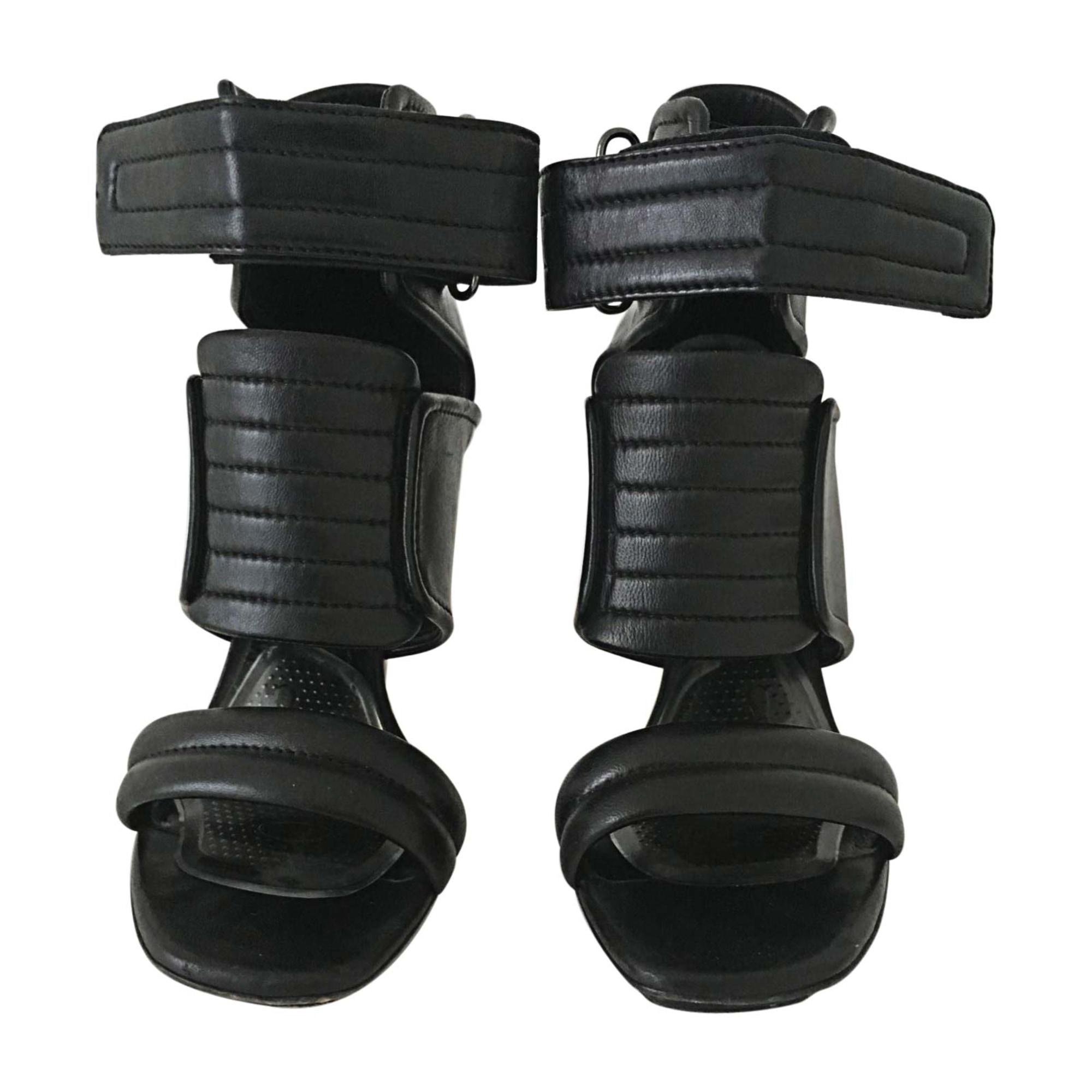 Sandales à talons BARBARA BUI Noir