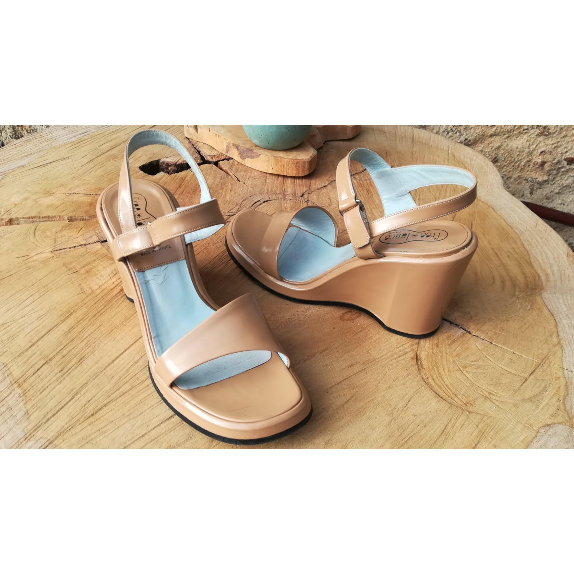 Sandales compensées FREE LANCE Beige, camel