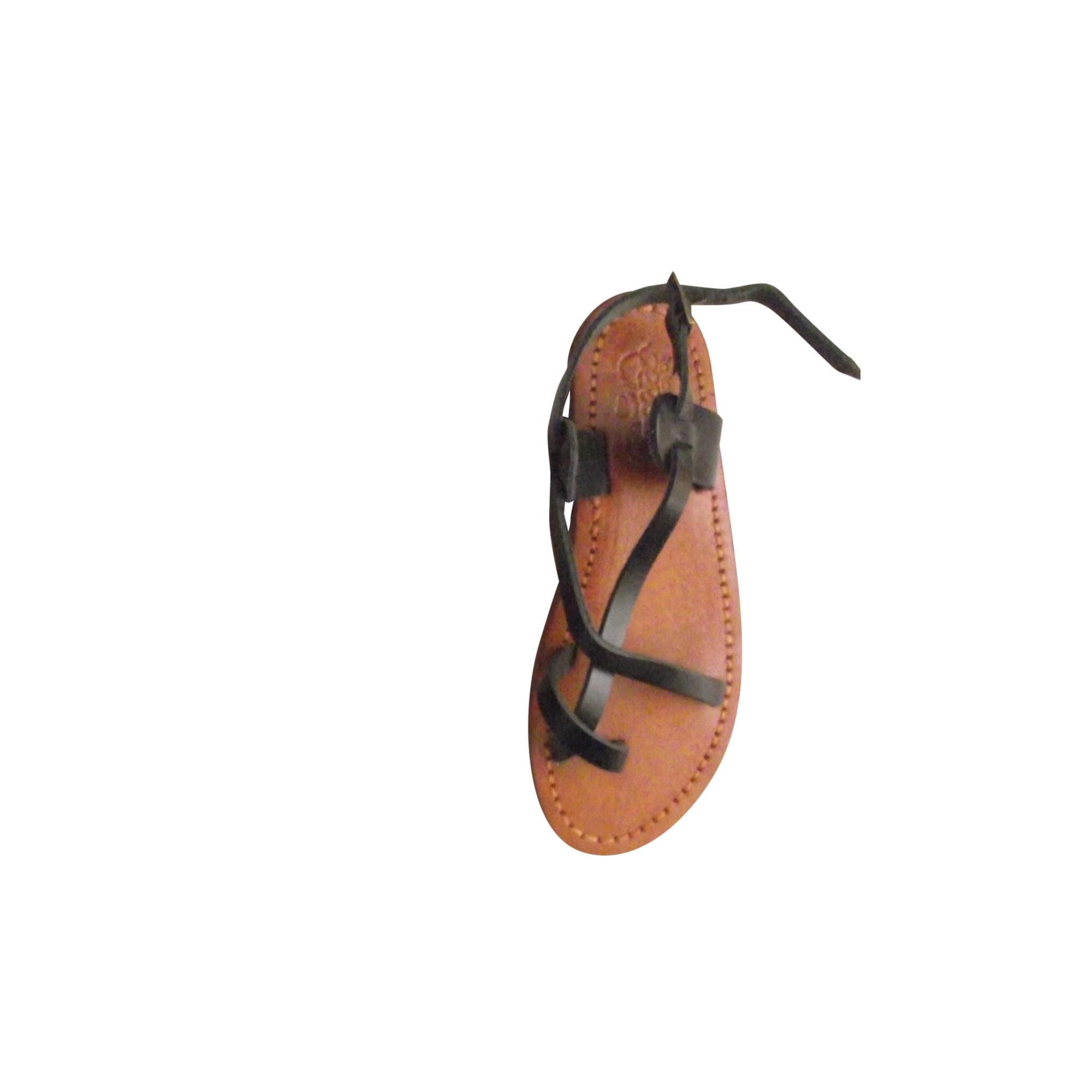 Sandales plates  LE TEMPS DES CERISES Noir