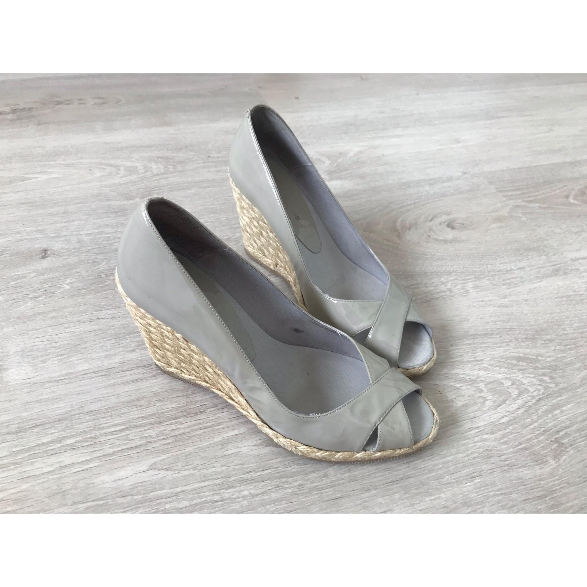 Sandales compensées COSMOPARIS Taupe