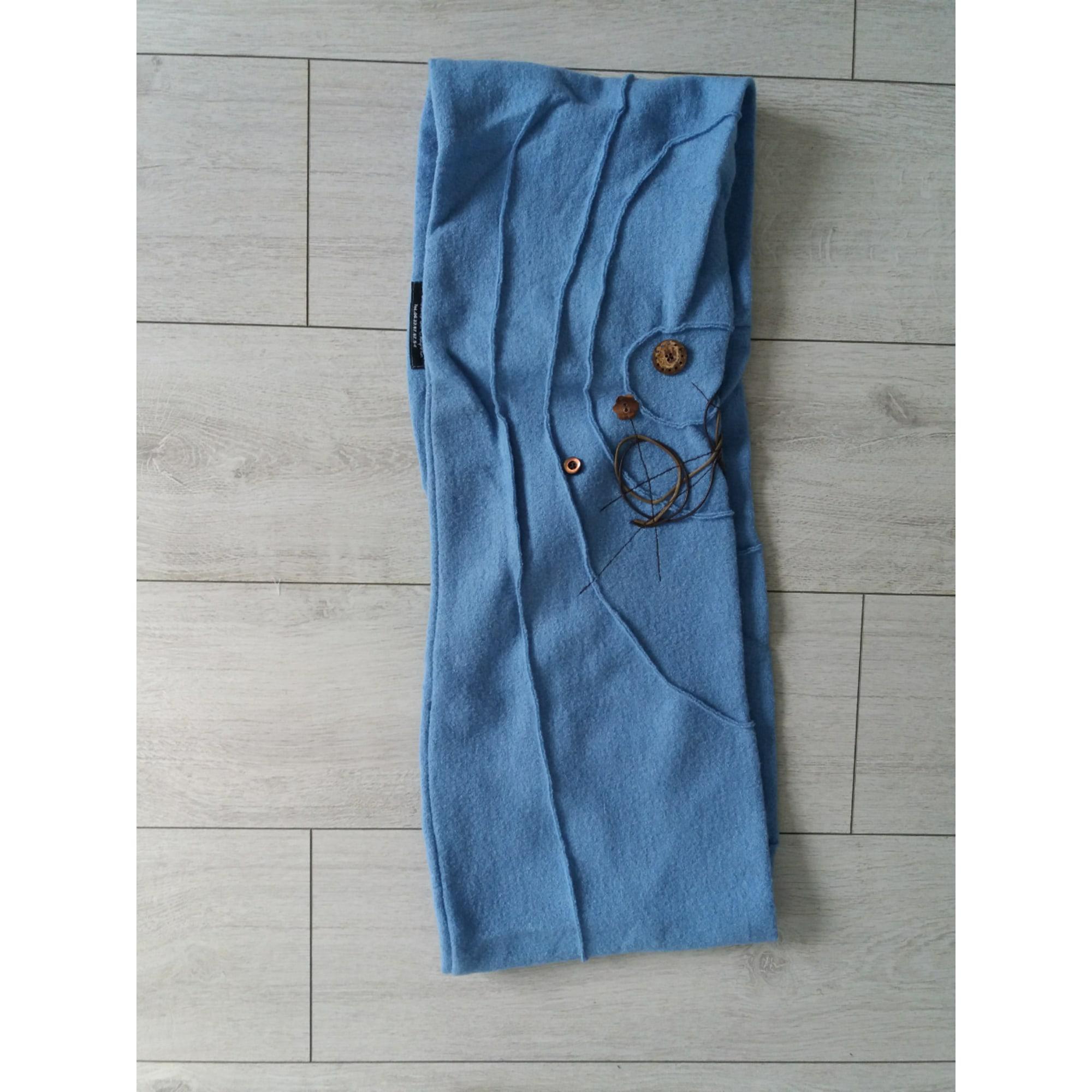 Echarpe UN JOUR UN CHAPEAU Bleu, bleu marine, bleu turquoise