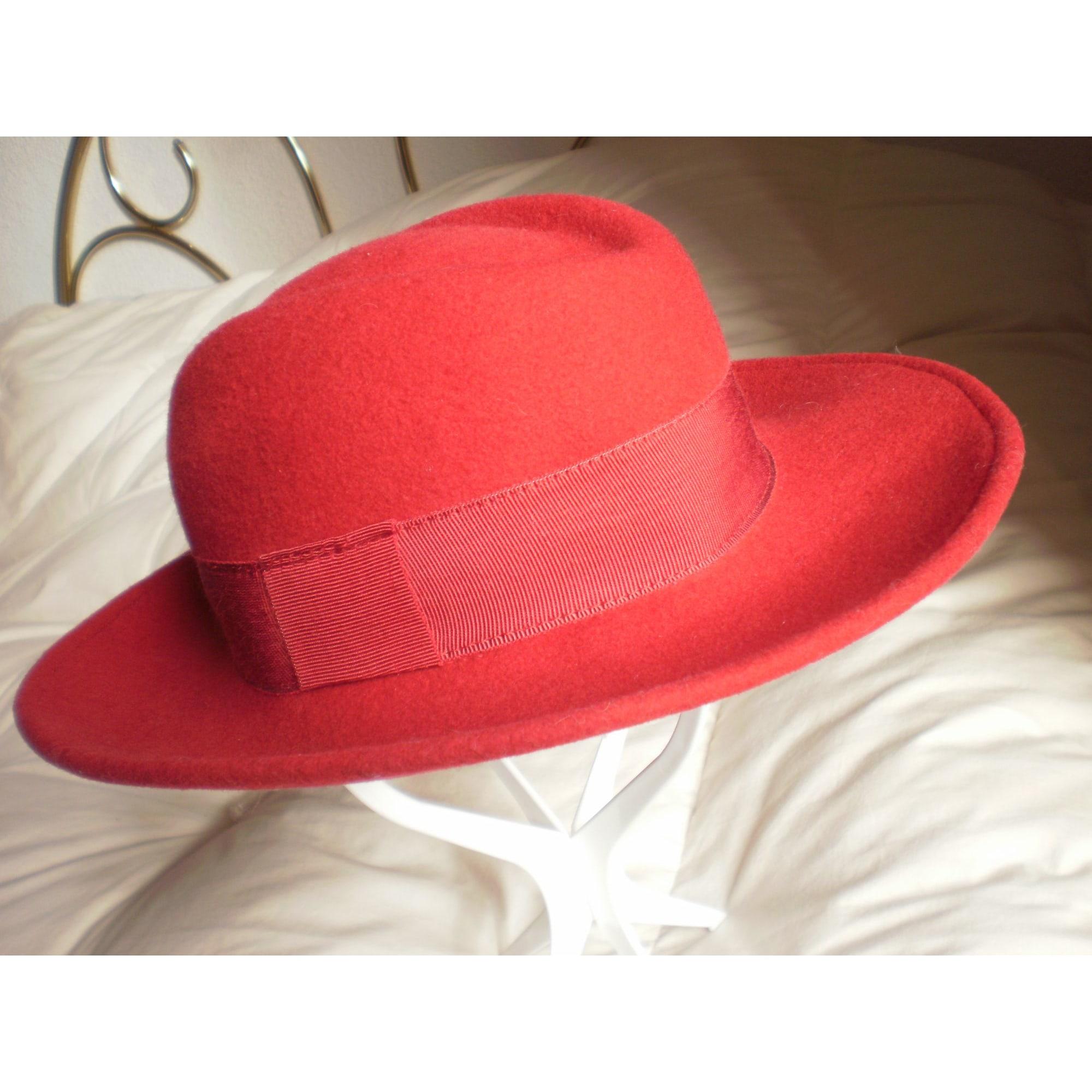Chapeau DÉGRIFFÉ Rouge, bordeaux