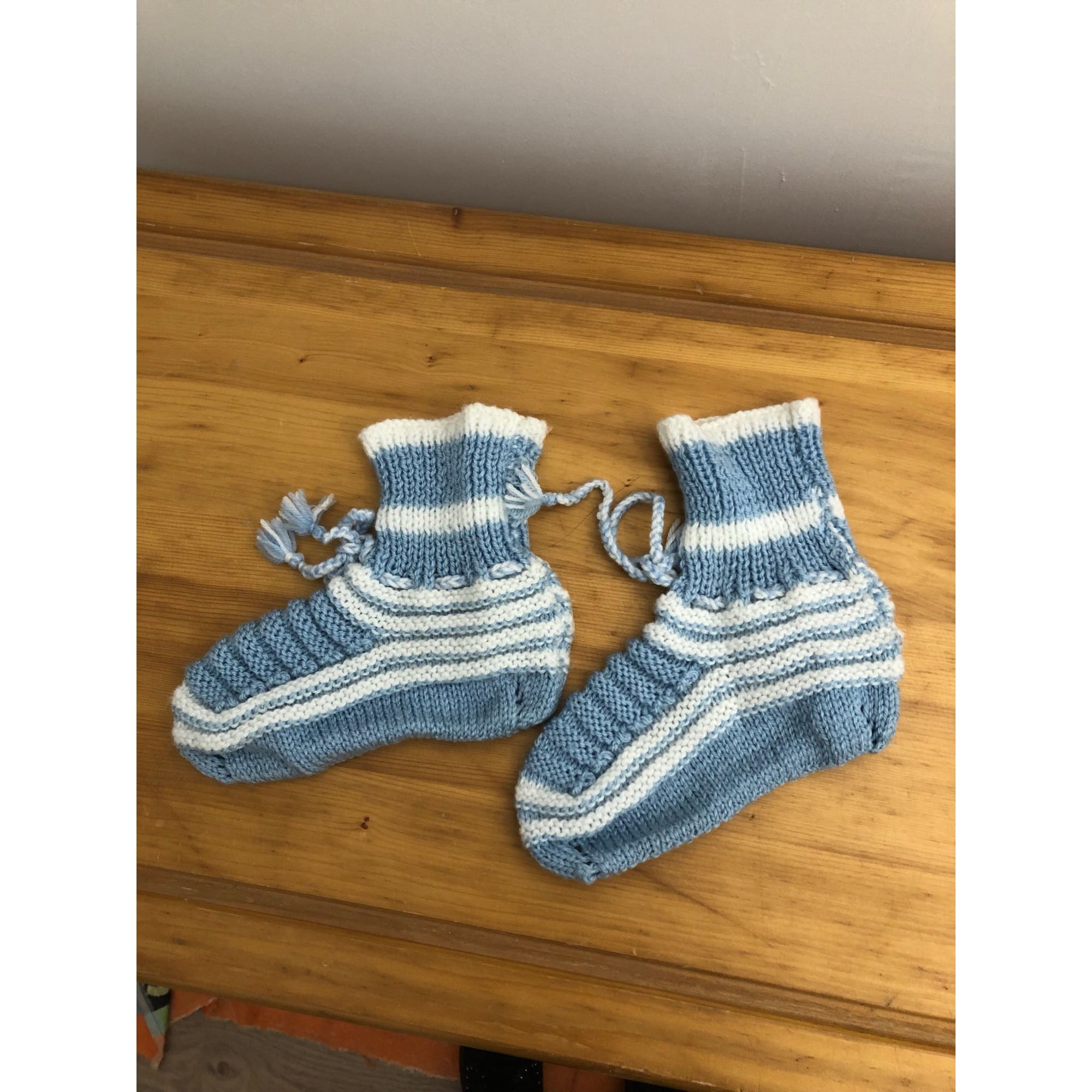 Chaussons & pantoufles MARQUE INCONNUE Bleu, bleu marine, bleu turquoise
