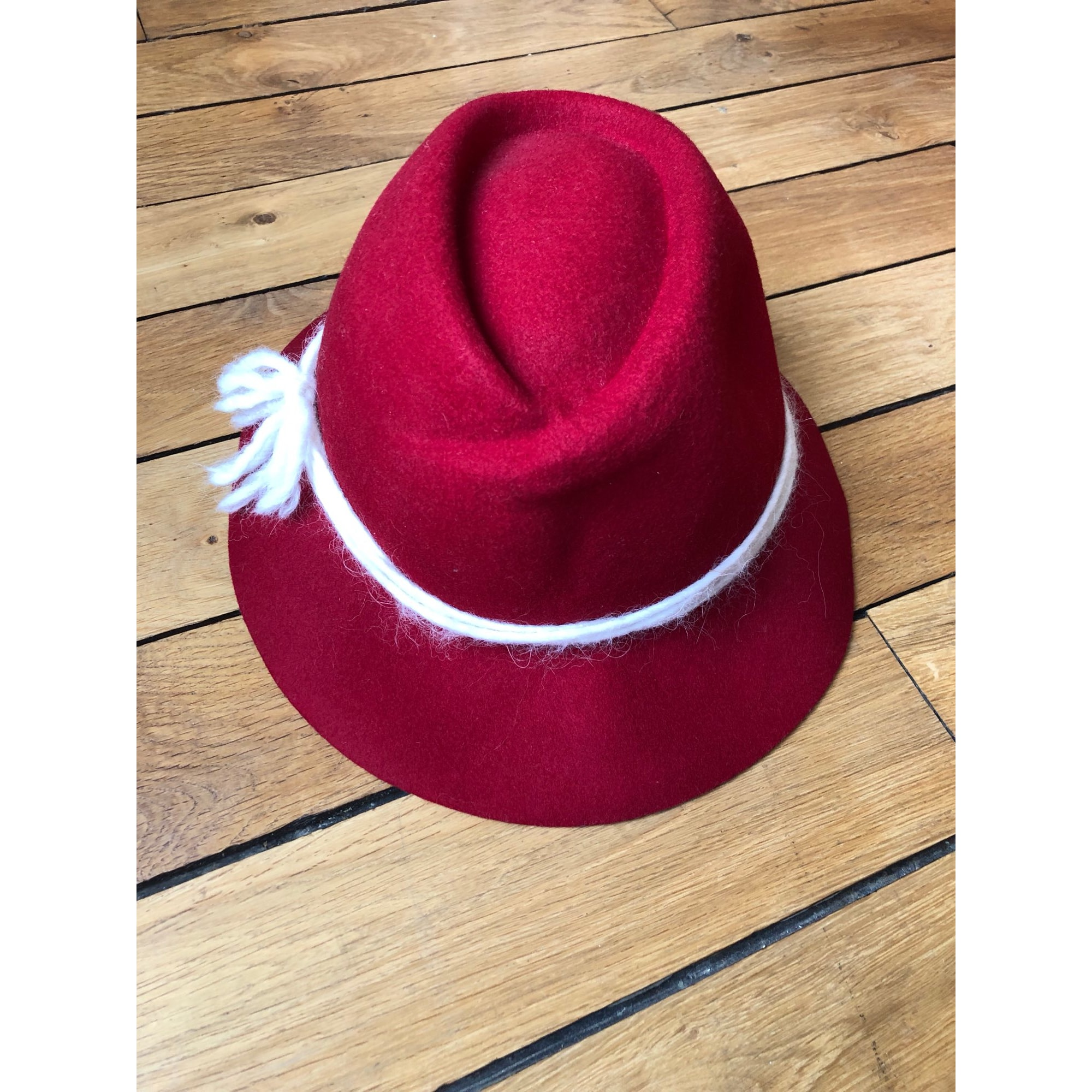 Chapeau INTREND Rouge, bordeaux