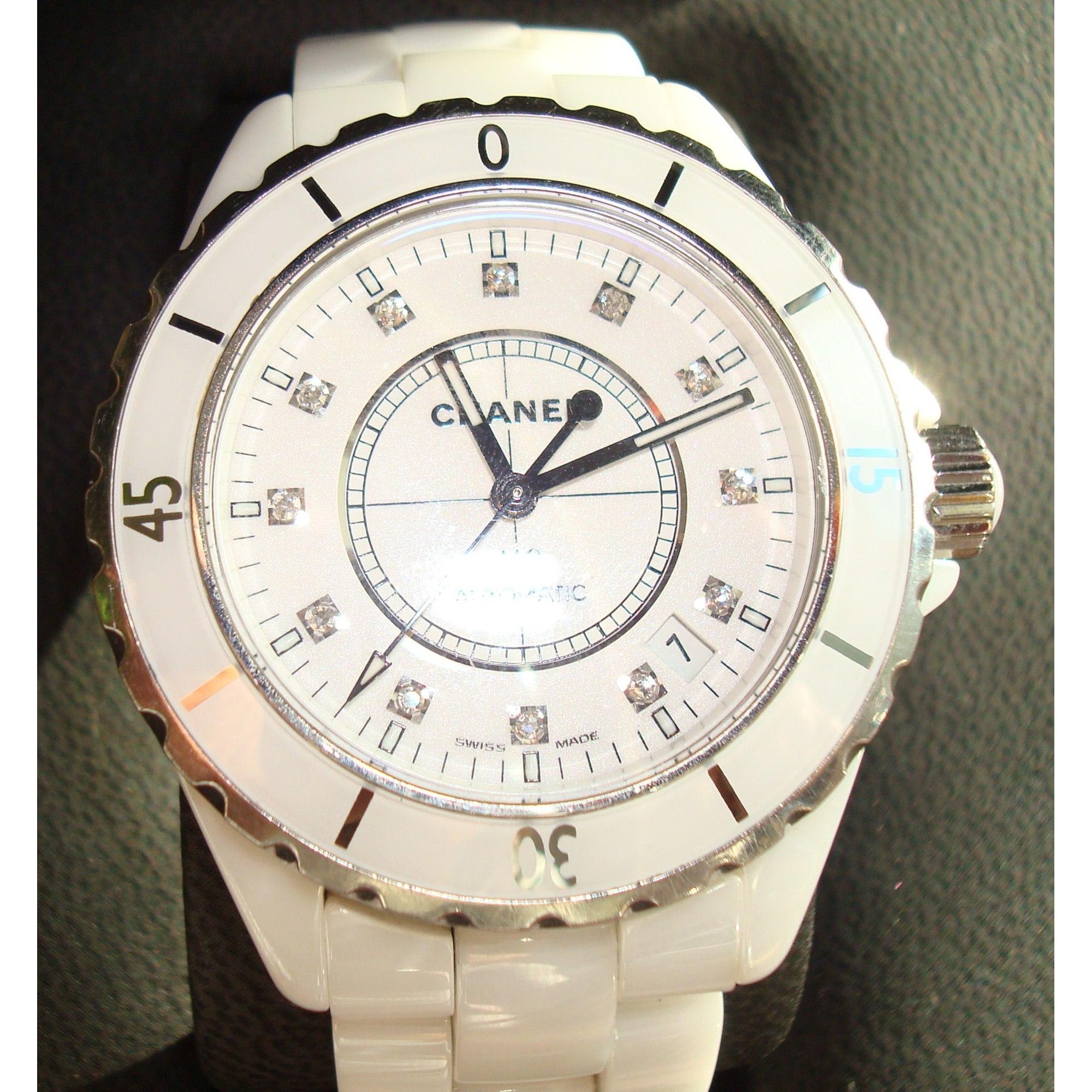 Montre au poignet CHANEL blanc vendu par C est claire - 113618 a14f9a486c67