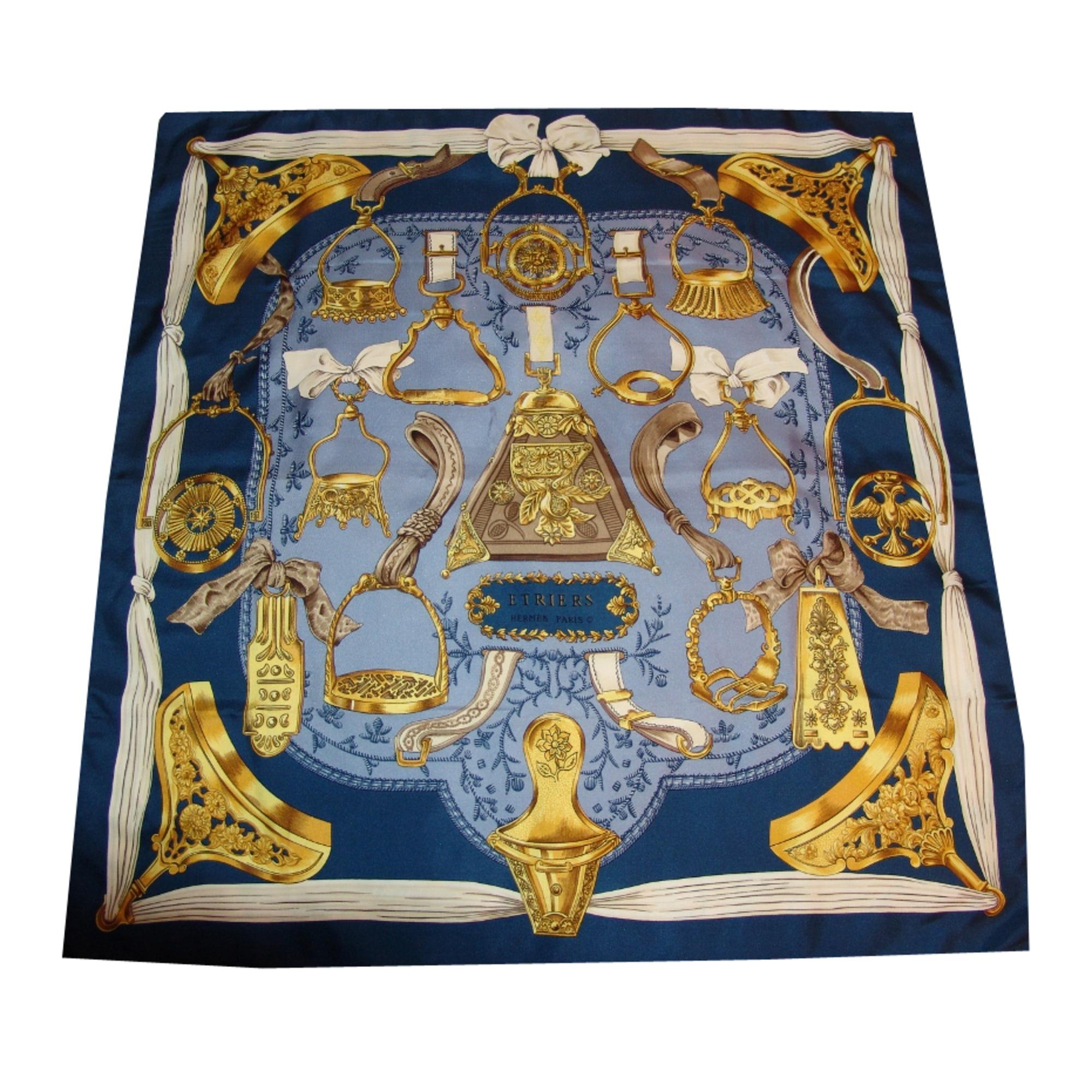 Foulard HERMÈS bleu marine vendu par D annabelle 5135064 - 1155598 30333c5e19e