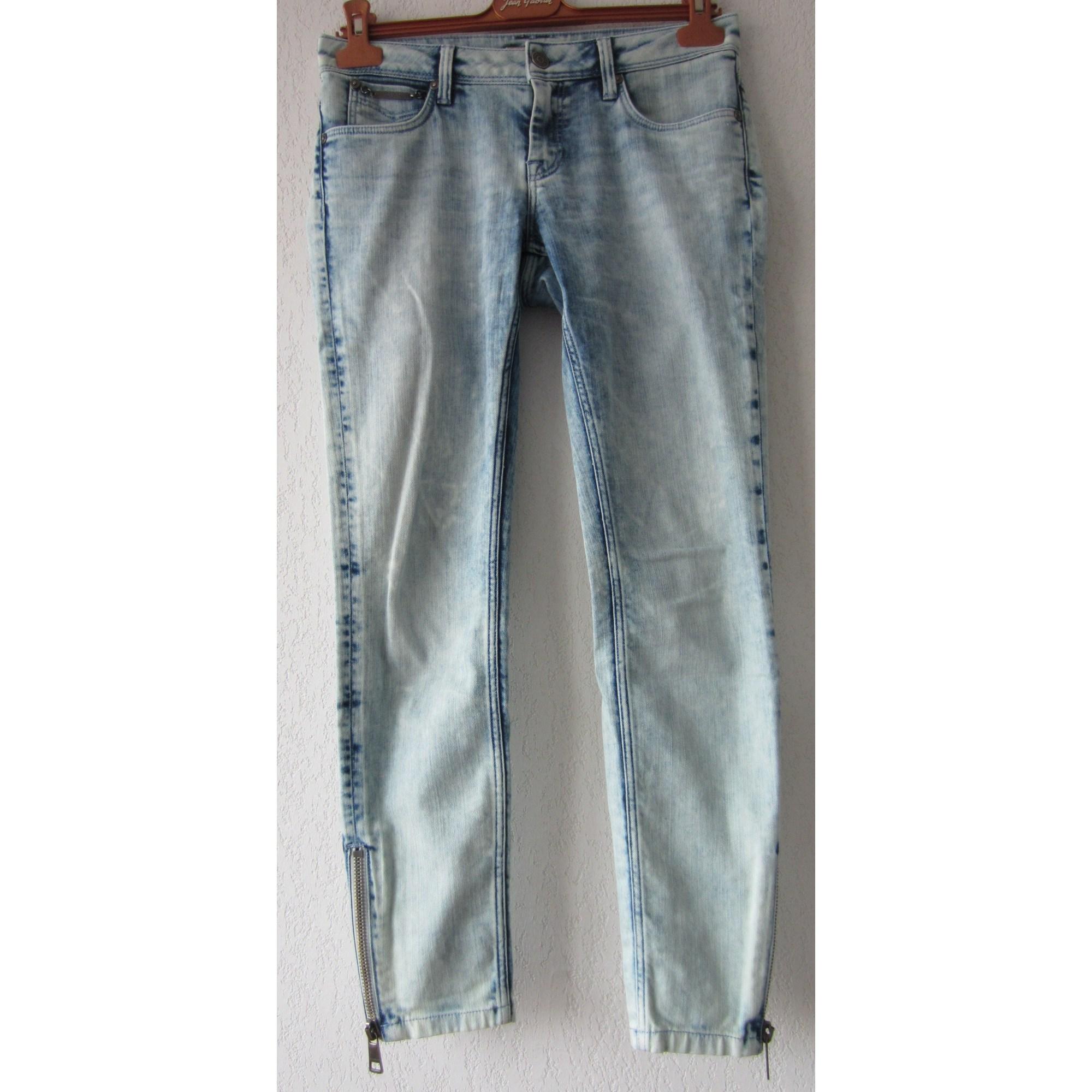 67b2504c13af Jeans slim BURBERRY W27 (T 36) bleu vendu par Missmille261293 ...