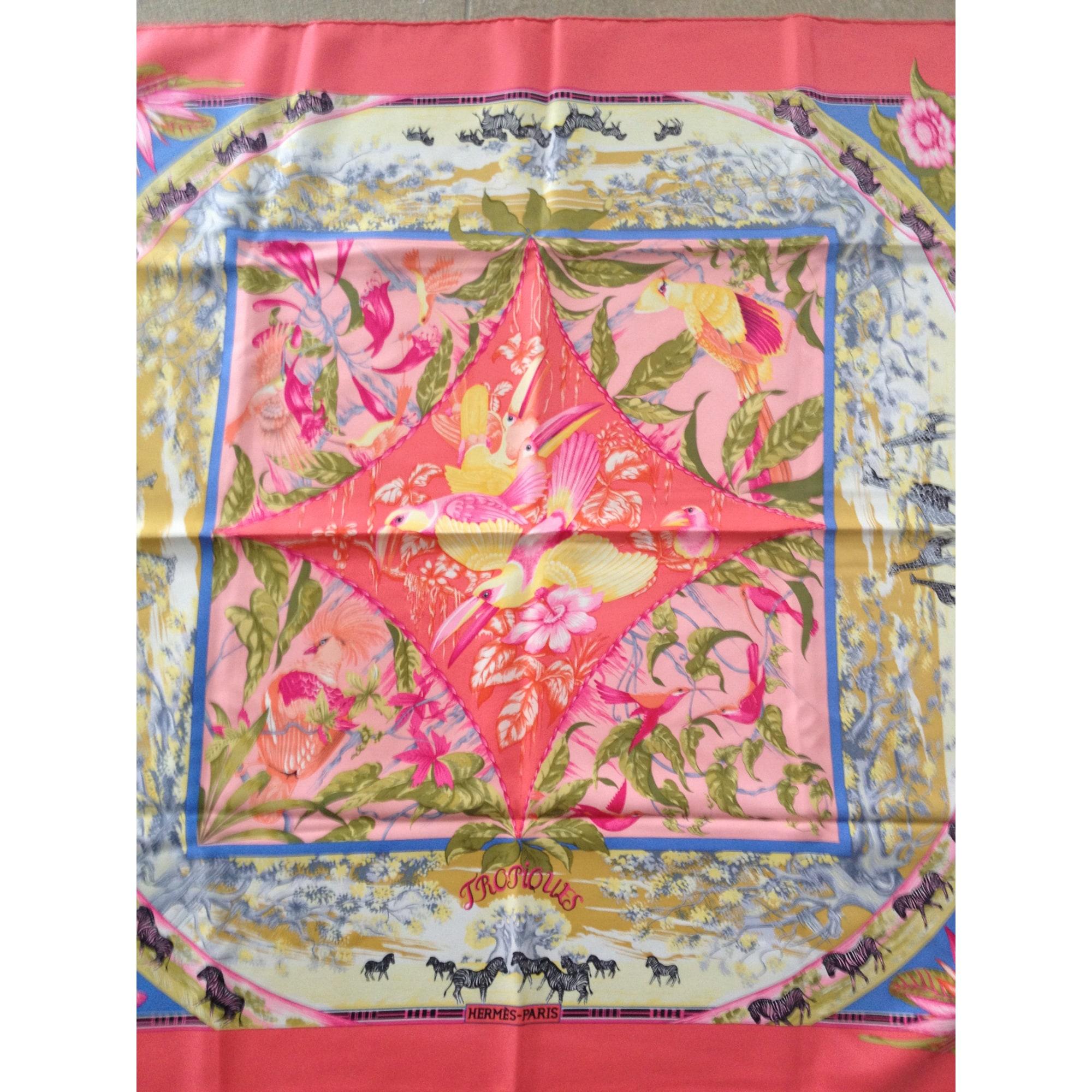 04d2ee7d68 Foulard HERMÈS rose vendu par Lilou155144 - 1238710