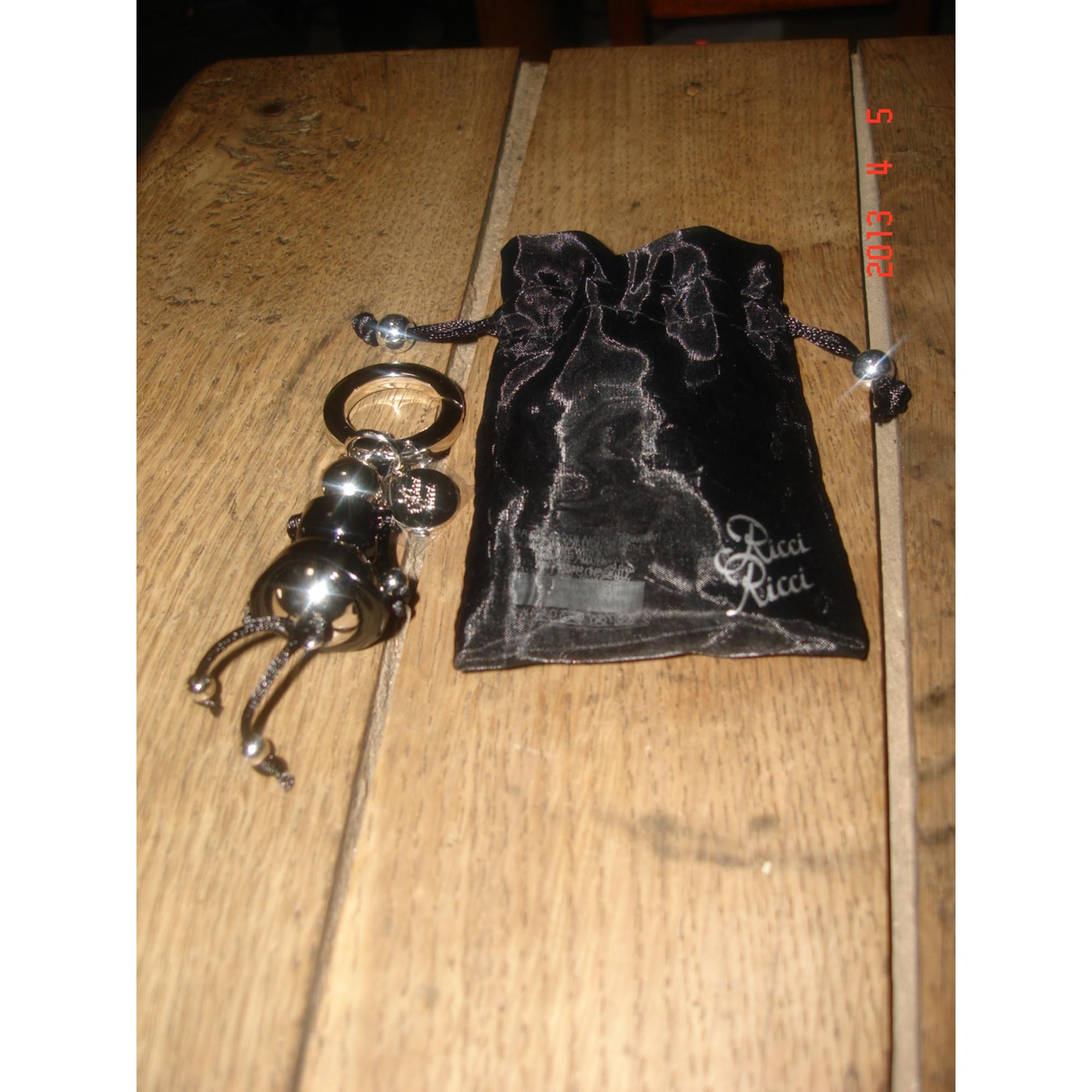 Porte-clés NINA RICCI noir vendu par Fred1362843 - 1258753 488d25a145a