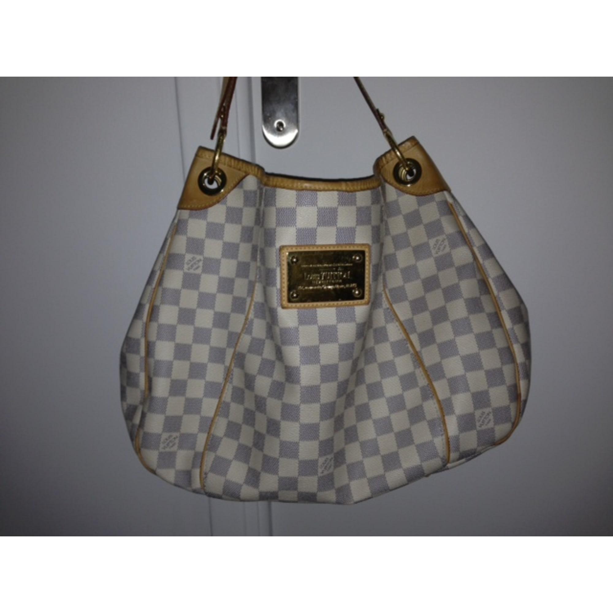 395fa4eb43b7 Sac à main en cuir LOUIS VUITTON blanc vendu par Vide dressing zoiah ...