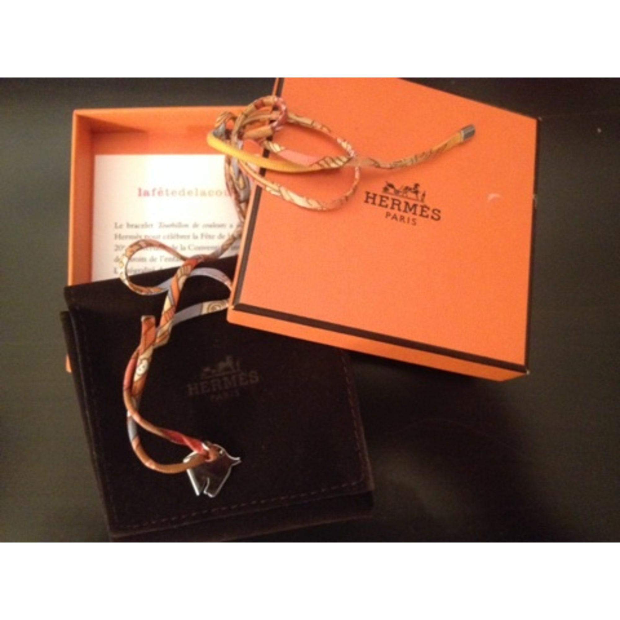 Bracelet HERMÈS orange vendu par Les trésors de mon placard - 1927346 c107ac62750