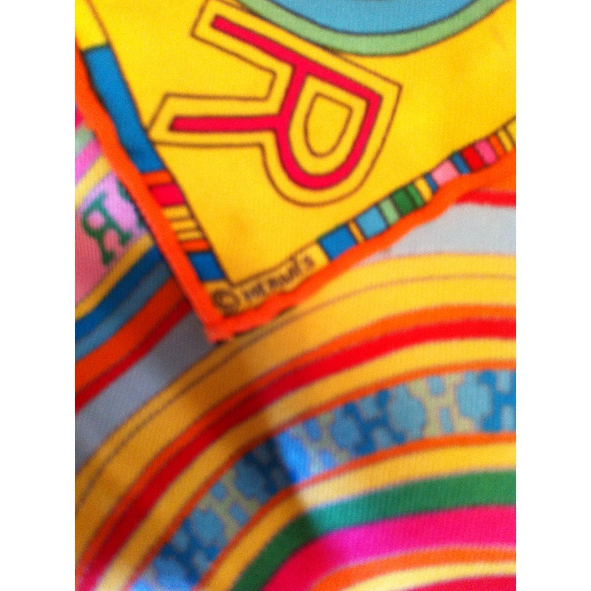 fec3be6c3655 Foulard HERMÈS multicouleur vendu par Kelly de vide dressing - 1975070