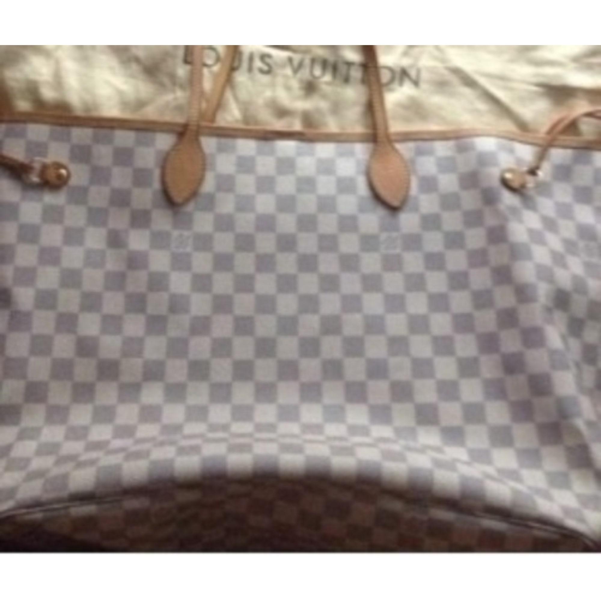 08a76c38a5 Sac XL en cuir LOUIS VUITTON blanc vendu par Bebe de luxe - 2036262