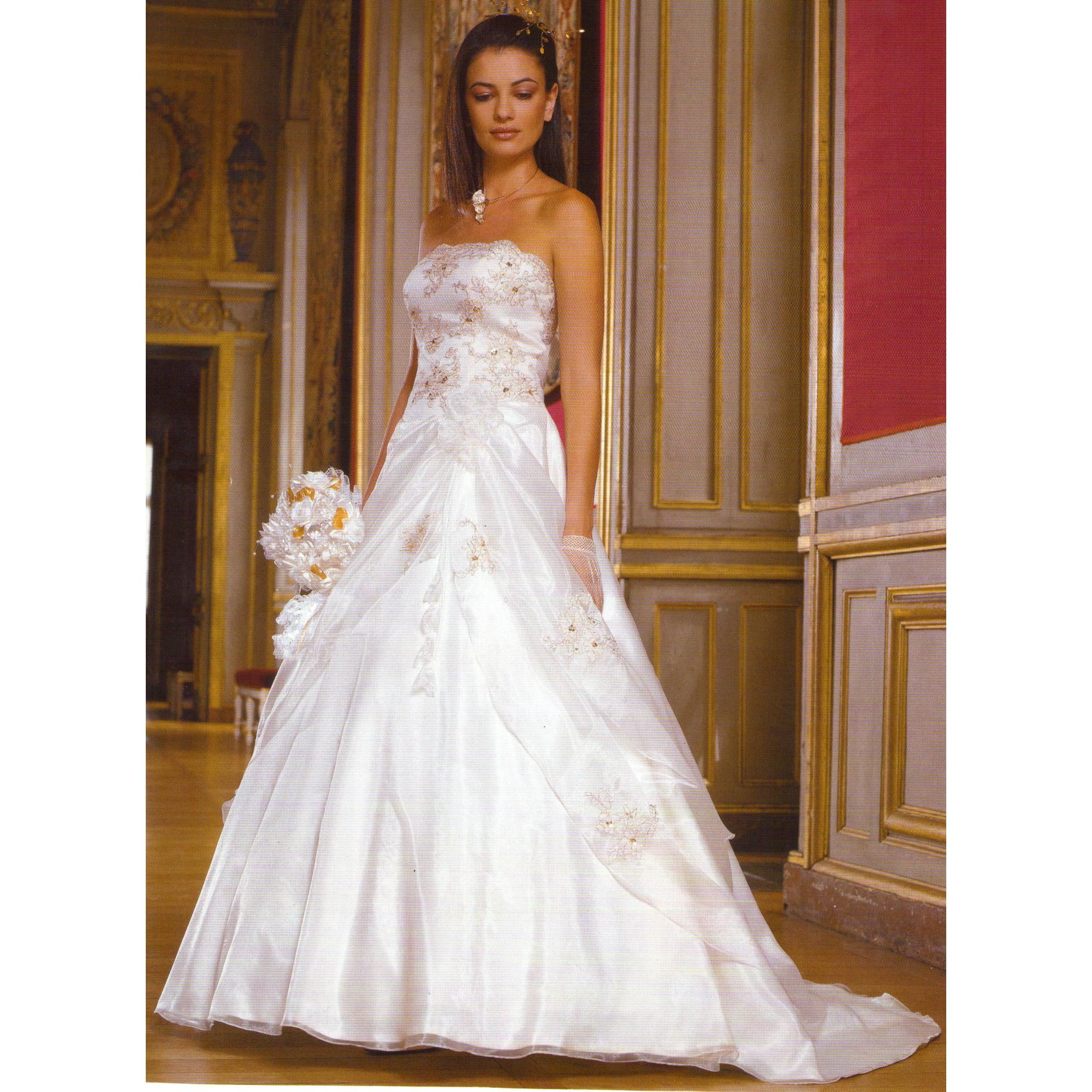 e0f992fa525 Robe de mariée TATI Autre blanc - 2274608