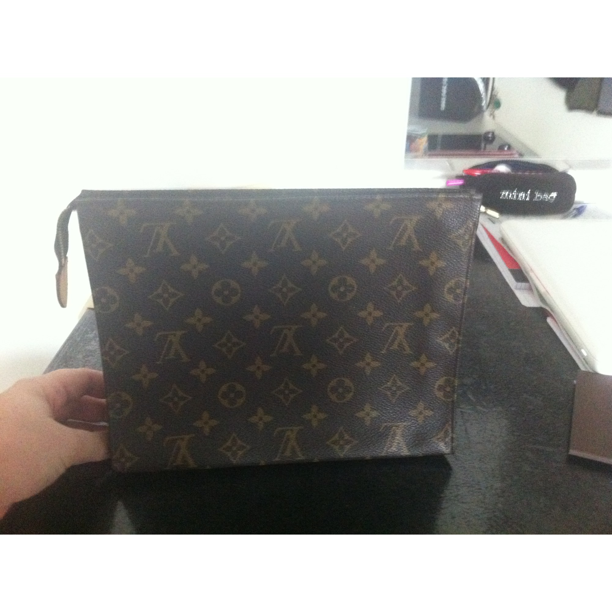 03373562f9 Pochette LOUIS VUITTON marrone vendu par Nessa1911 - 2498714