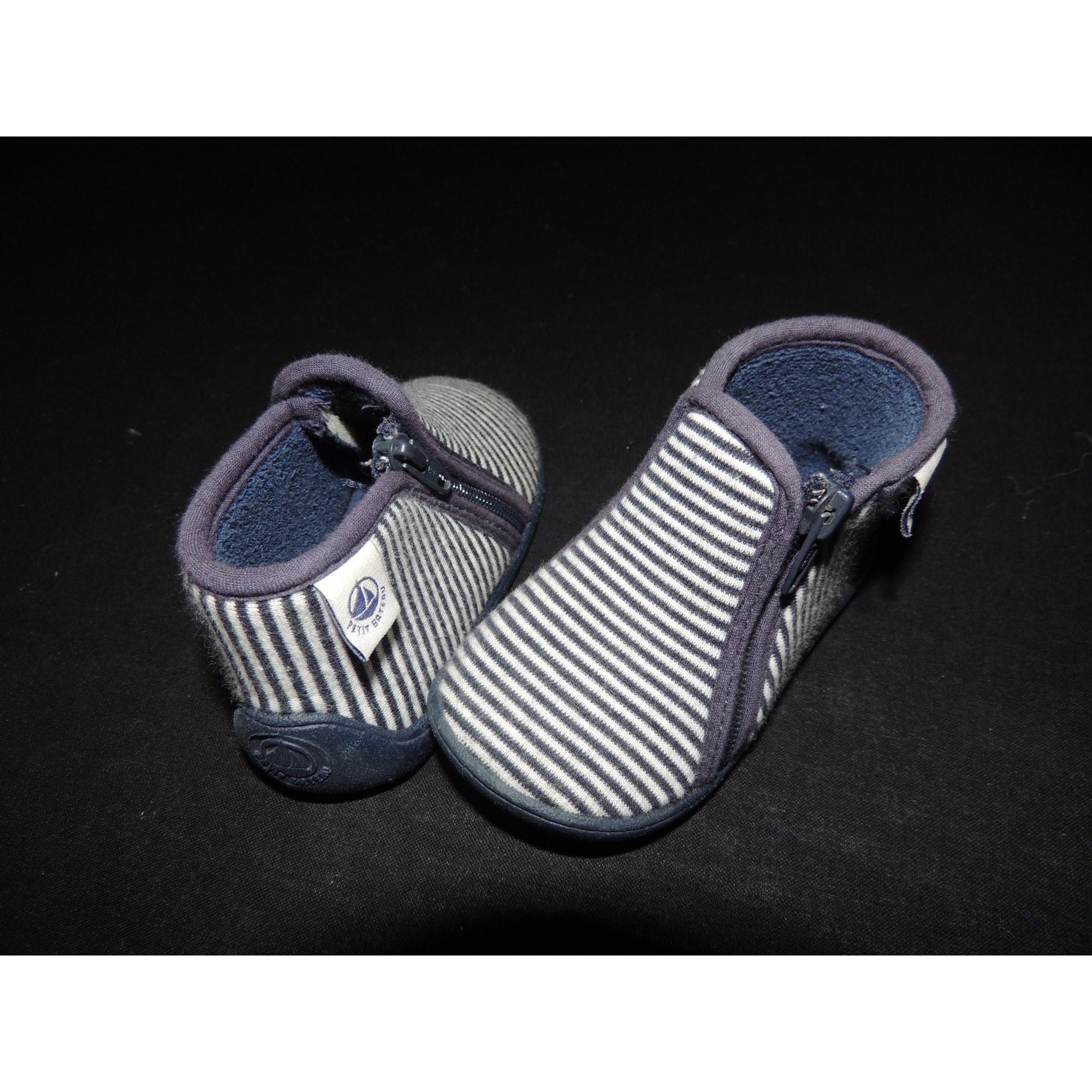 2c40e49a3ce Chaussons   pantoufles PETIT BATEAU 19 bleu vendu par L armoire des ...
