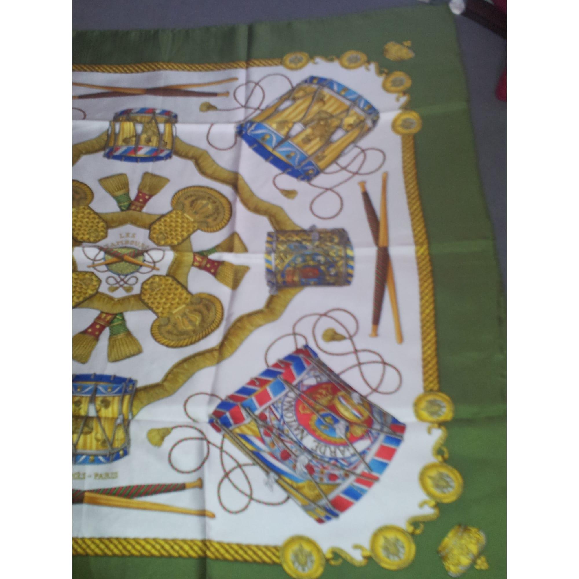 c7db65114ec Foulard HERMÈS vert vendu par Emma330257577 - 298152