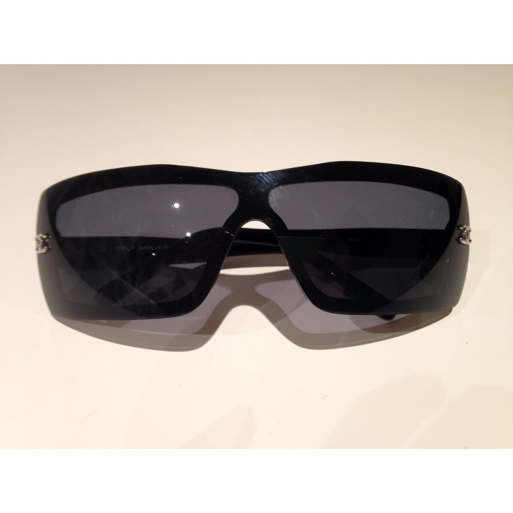 29f42147f8f Lunettes de soleil CHANEL noir vendu par Alexandra95 - 3033097