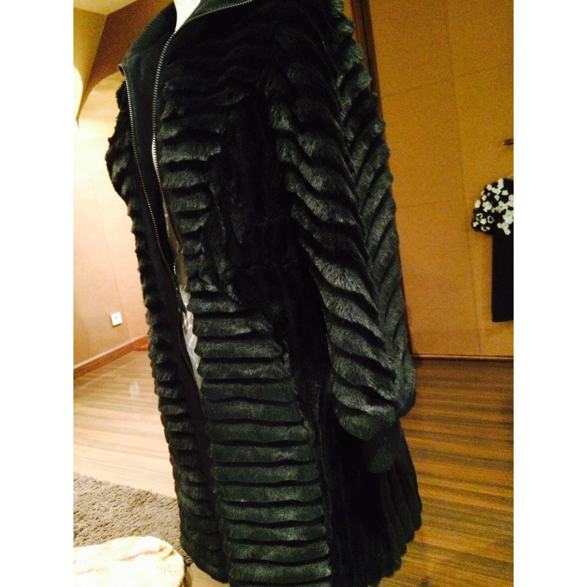 b58a1ed6d6d7 Manteau en fourrure ARMANI JEANS 36 (S, T1) noir vendu par Linda ...
