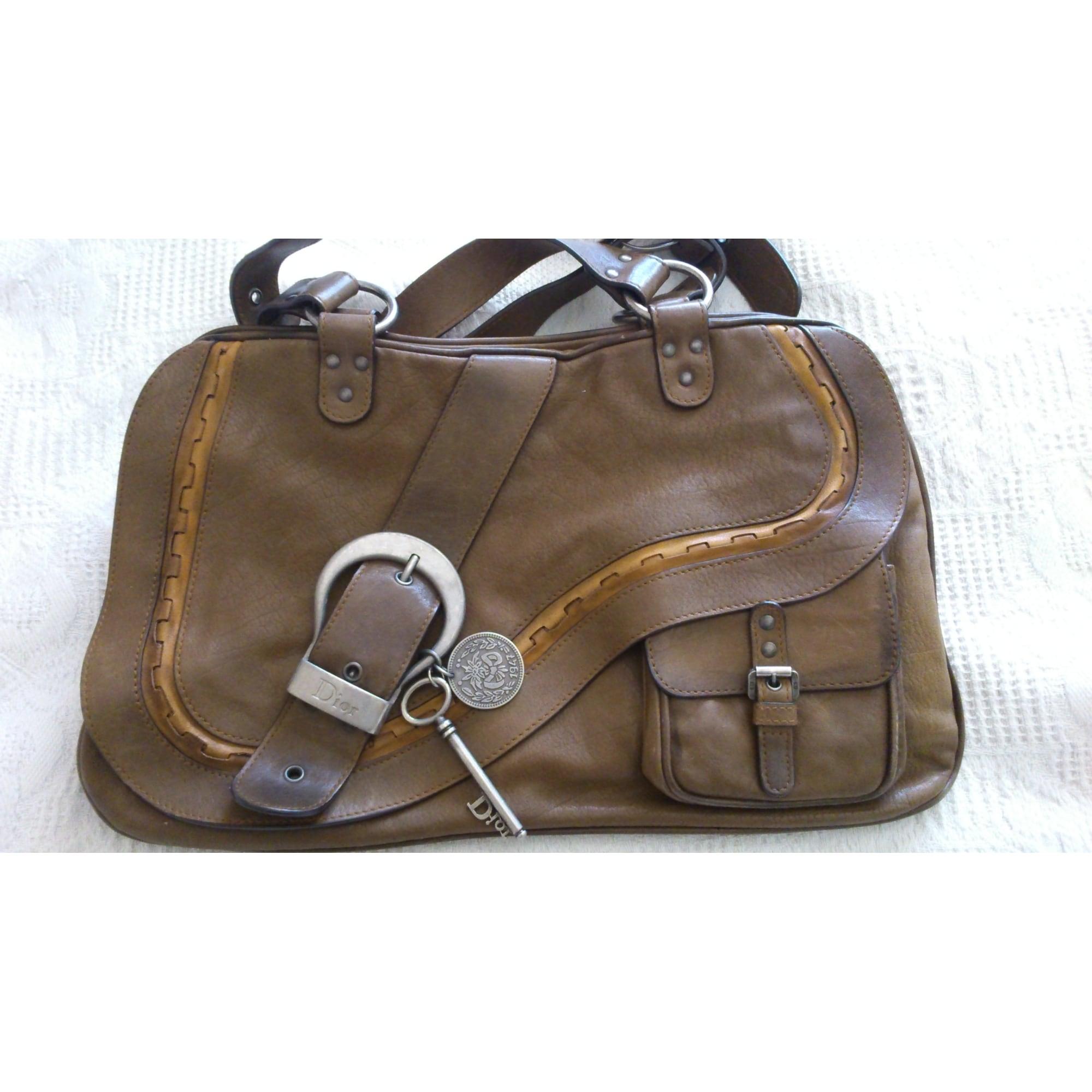 b6726729af Sac à main en cuir DIOR gaucho marron vendu par Catnat83 - 3666194