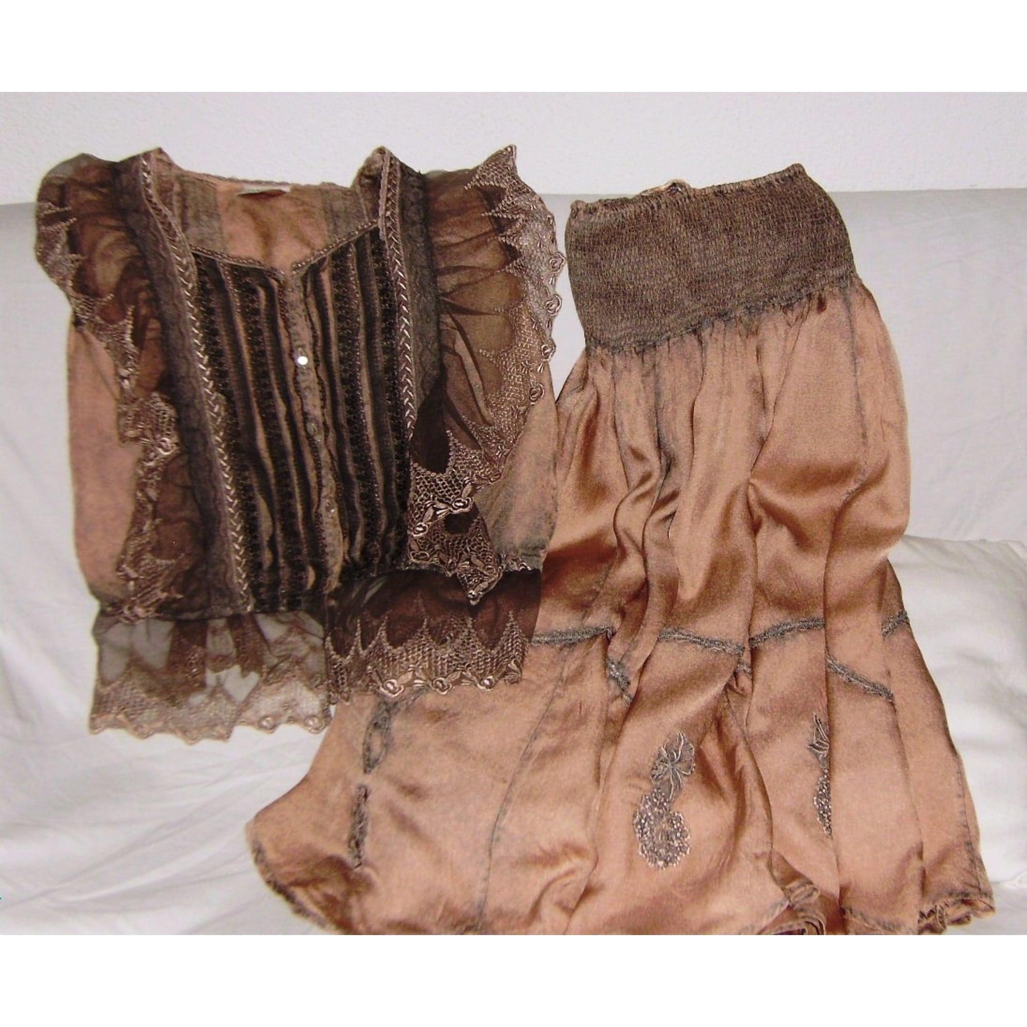 5adeebf4806053 Tailleur jupe